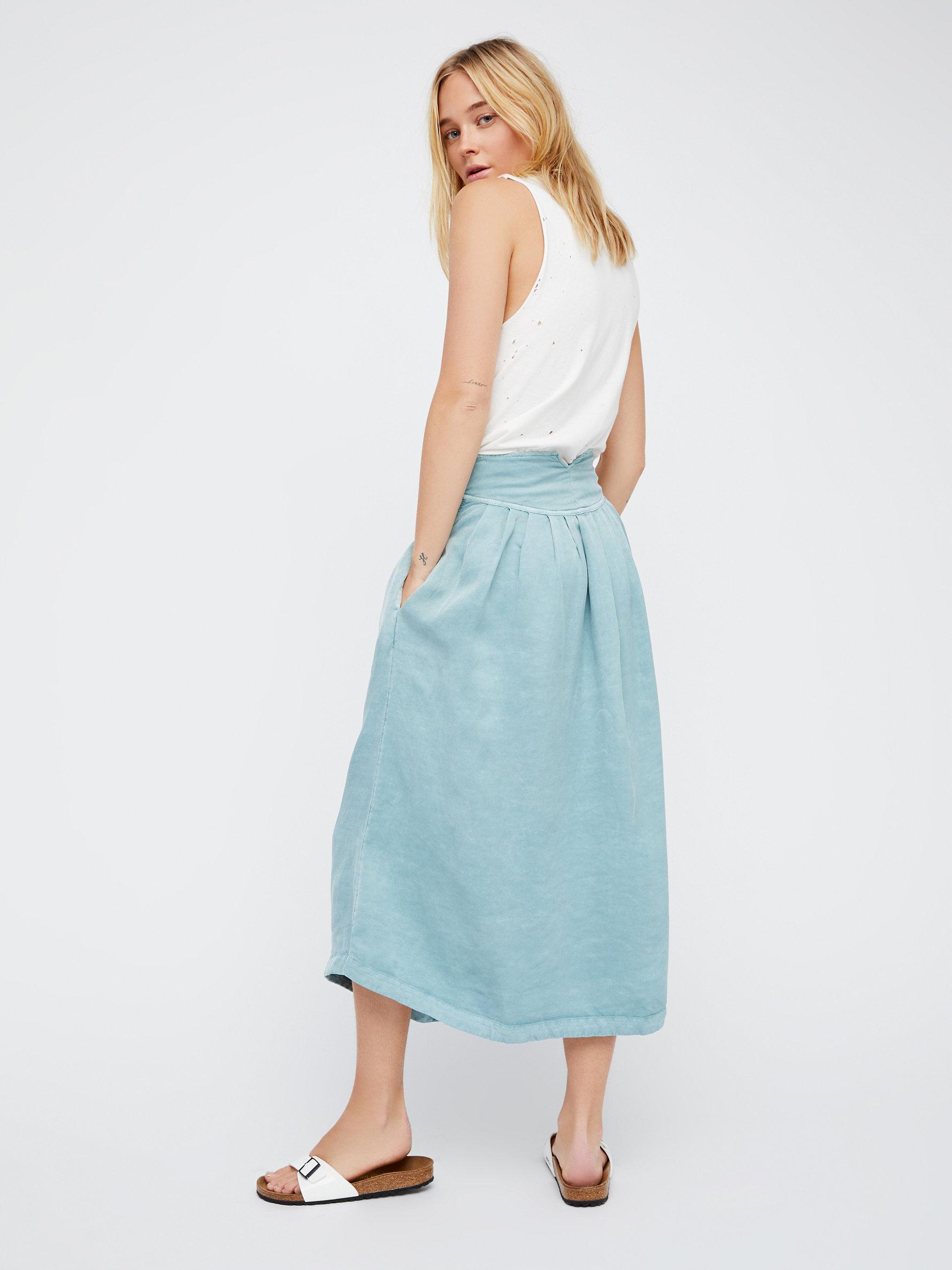 free sunday stroll midi skirt in blue lyst