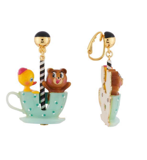 Boucles D'oreilles Clip Ourson Et Petit Canard Tout Contents Dans Leur Tasse Tournante N2 J6cH