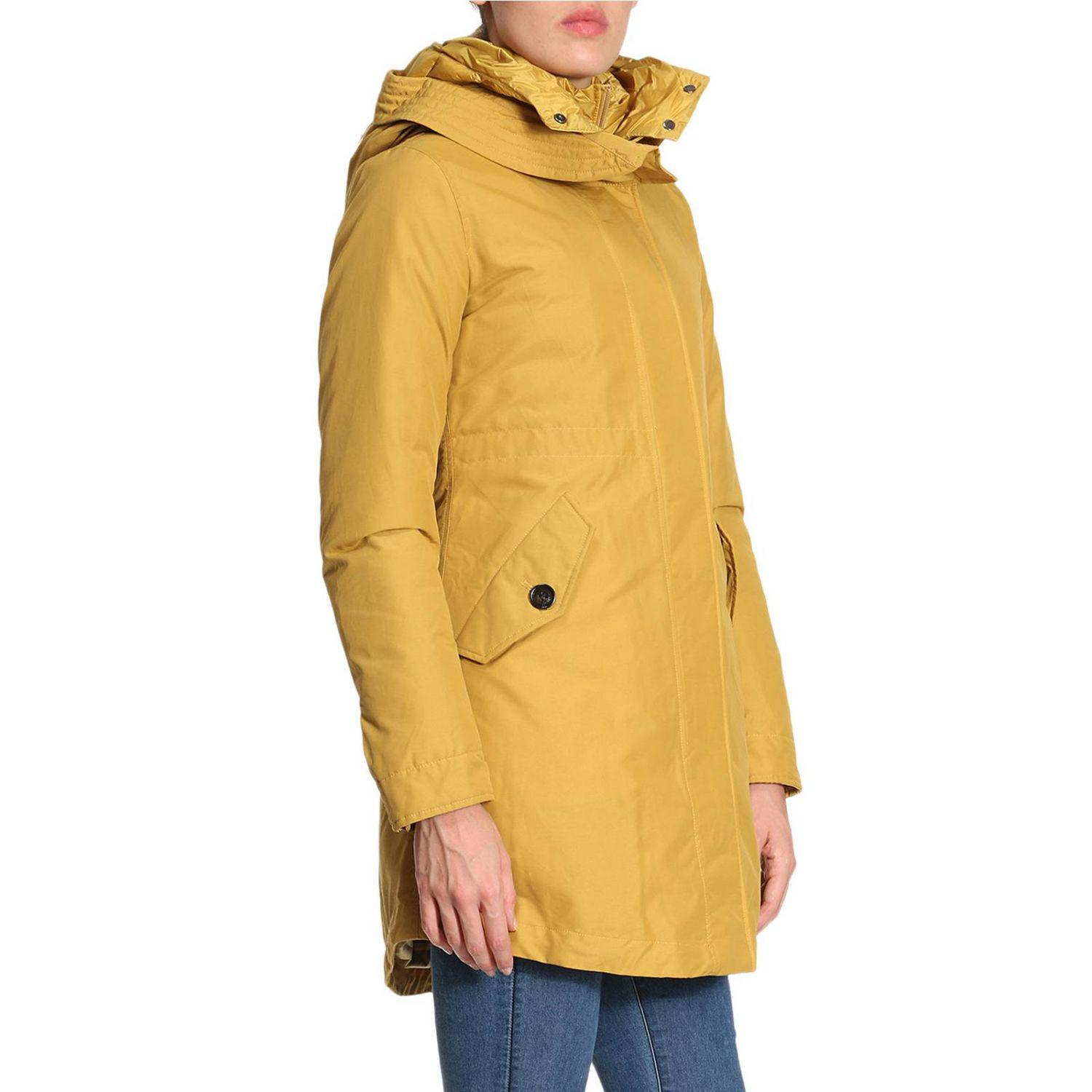yellow jacket cougar women Shop high-quality columbia women's jackets yellow 1 take on mother nature wrapped in the warmth of a high-quality columbia women's jacket that's.