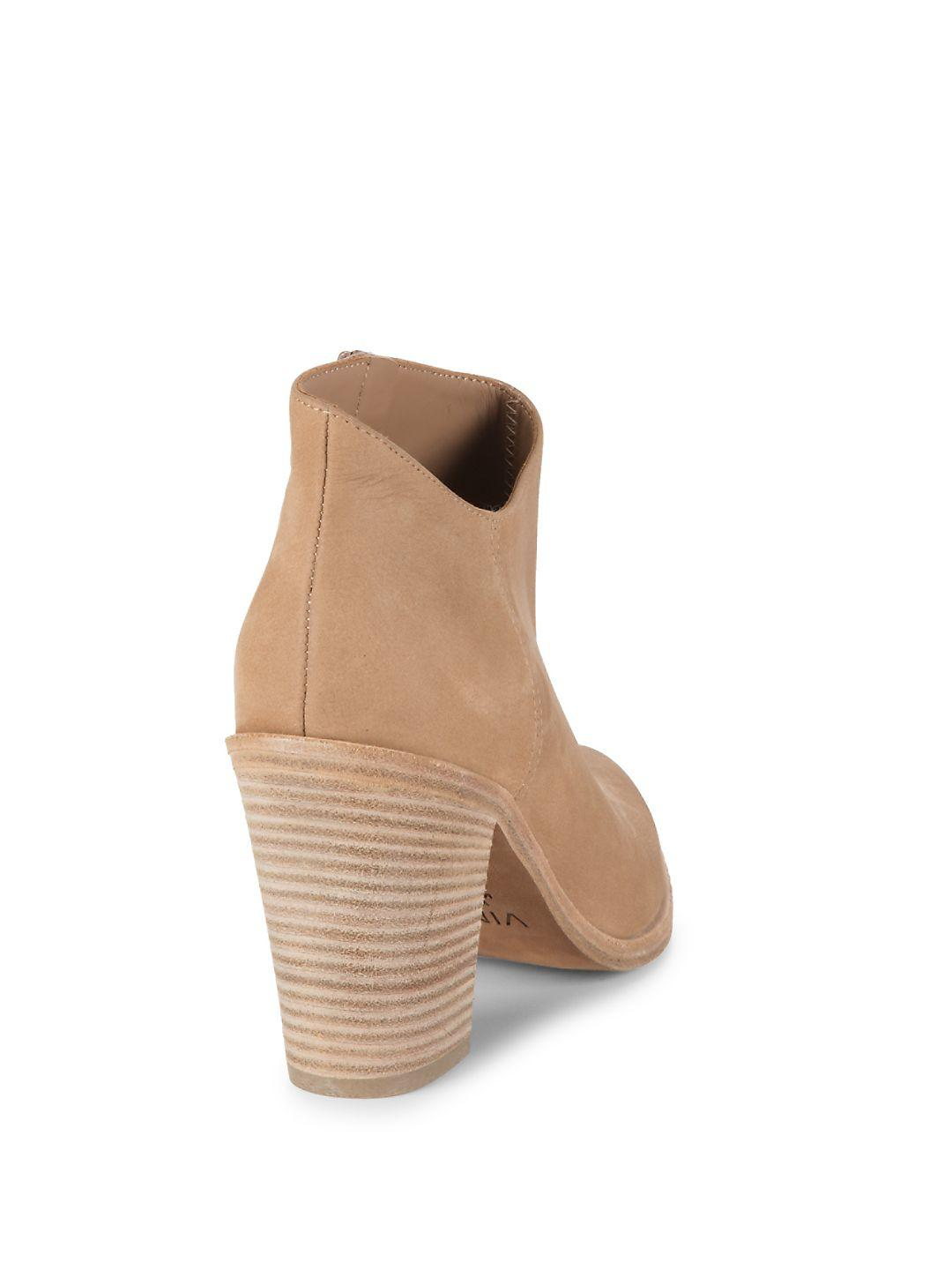 Vince Leather Easton Ankle Booties in Sand (Natural)