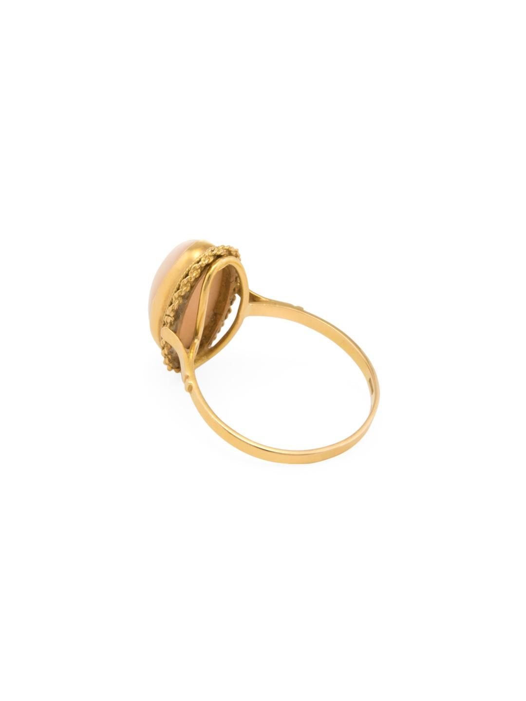 Estate Fine Jewelry Vintage 18k Yellow Gold & Angel Skin Coral Ring in Metallic