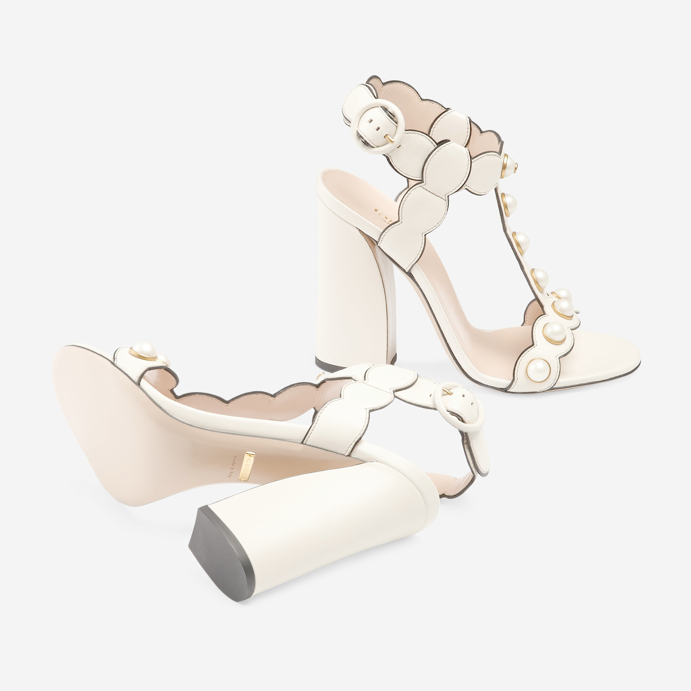 2fafc031bc3ecc Lyst - Gucci Leather T-strap Sandal in Natural