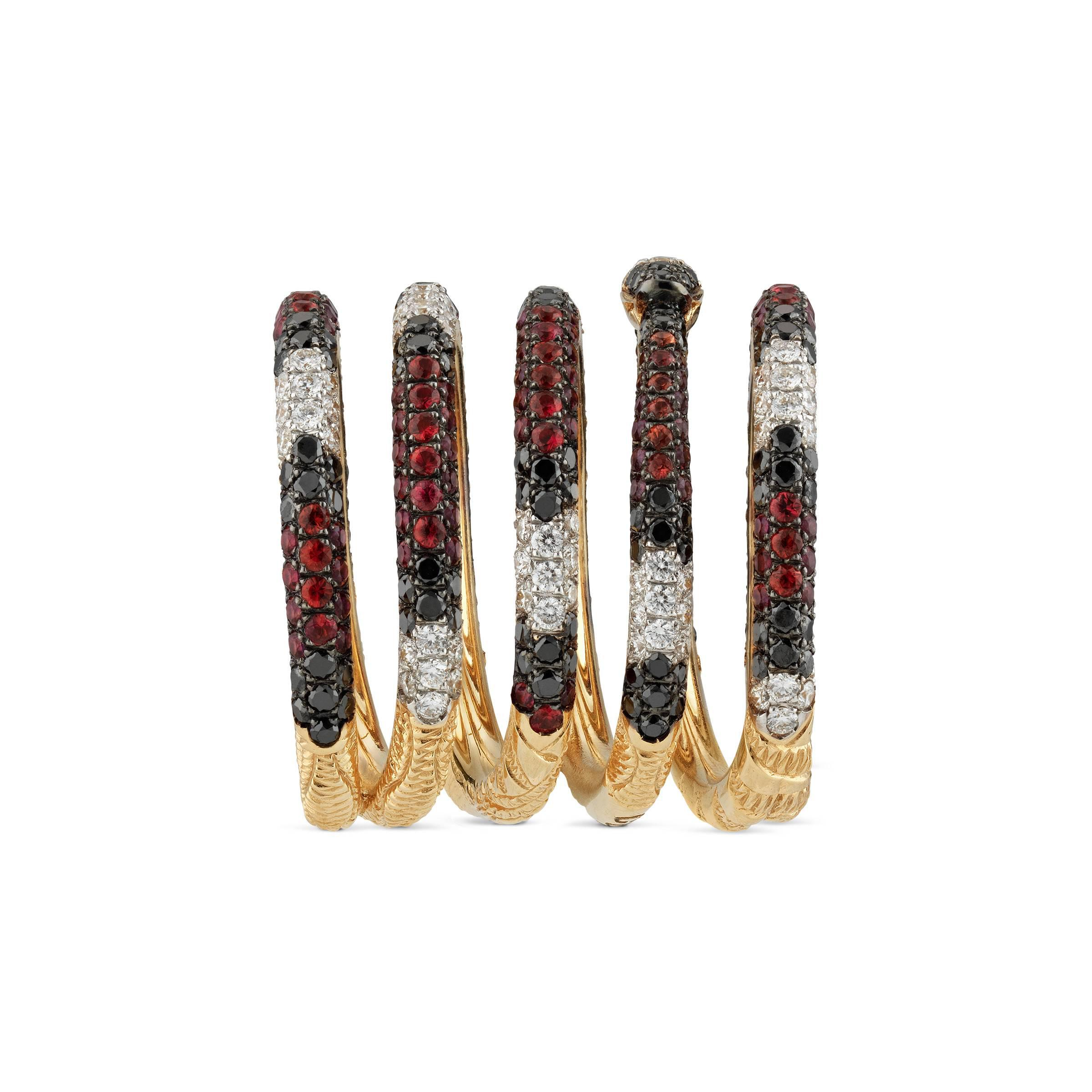 f96da3f4c9e Lyst - Bague Ouroboros à cinq anneaux en or avec gemmes Gucci en ...