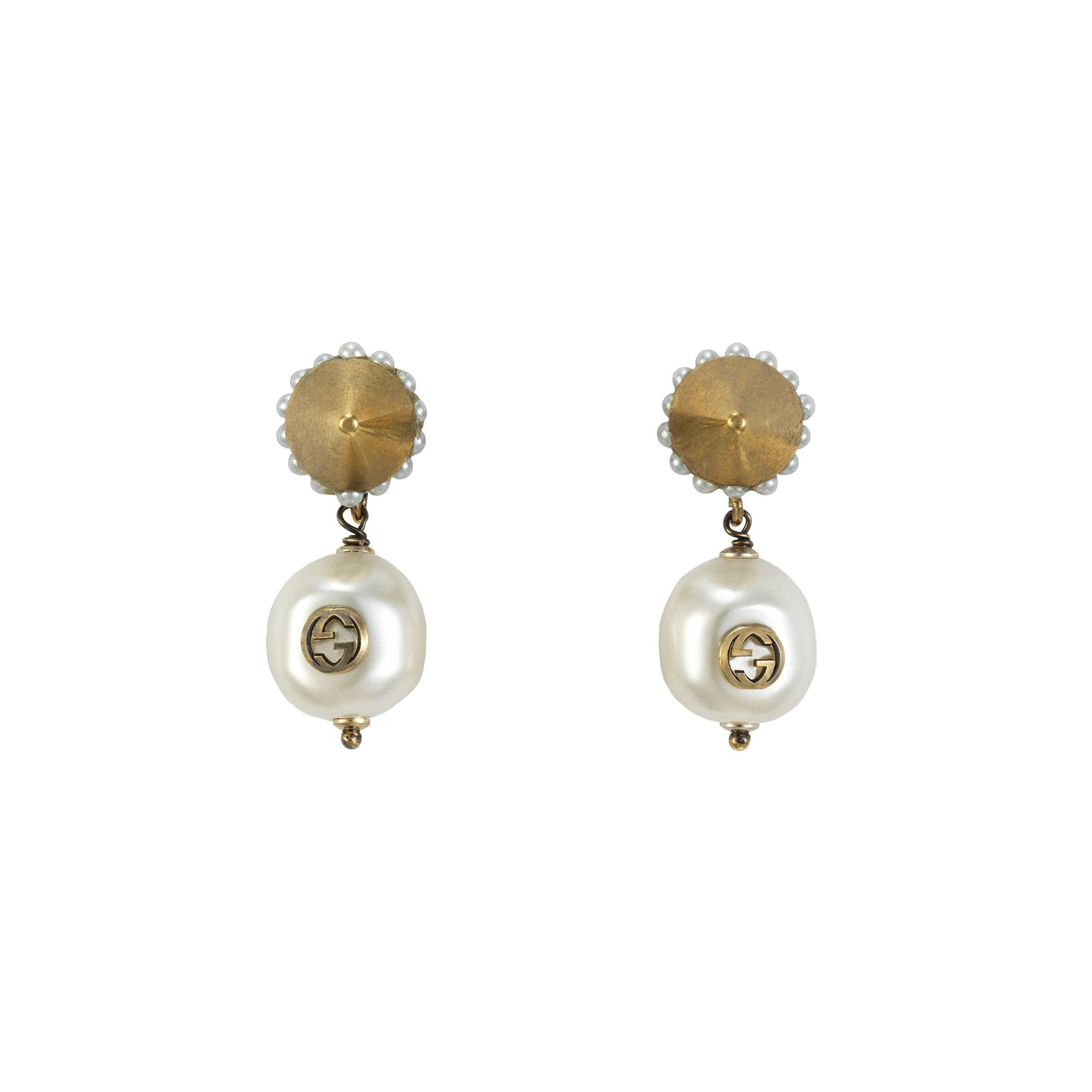 9335c24a25c Gucci Interlocking G Pearl Pendant Earrings in Metallic - Save 1% - Lyst