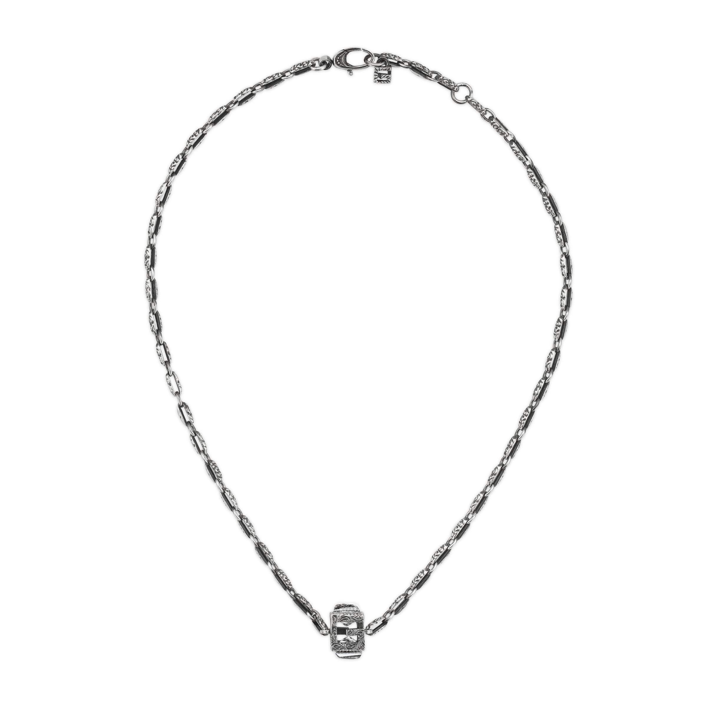 c7c4a1bcb6d6 Lyst - Collar de Plata con Cubo de G Cuadrada Gucci de color Metálico