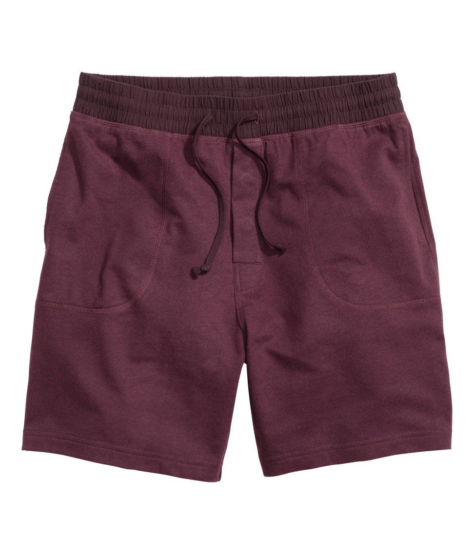 When it comes to shorts for boys, our selection is second to none. Your little all-star will love the complete line of boys' athletics shorts at Kohl's, including many styles of boys' Nike shorts. And when he needs to go from the court to the classroom, our line of boys' khaki shorts steps up to the plate.