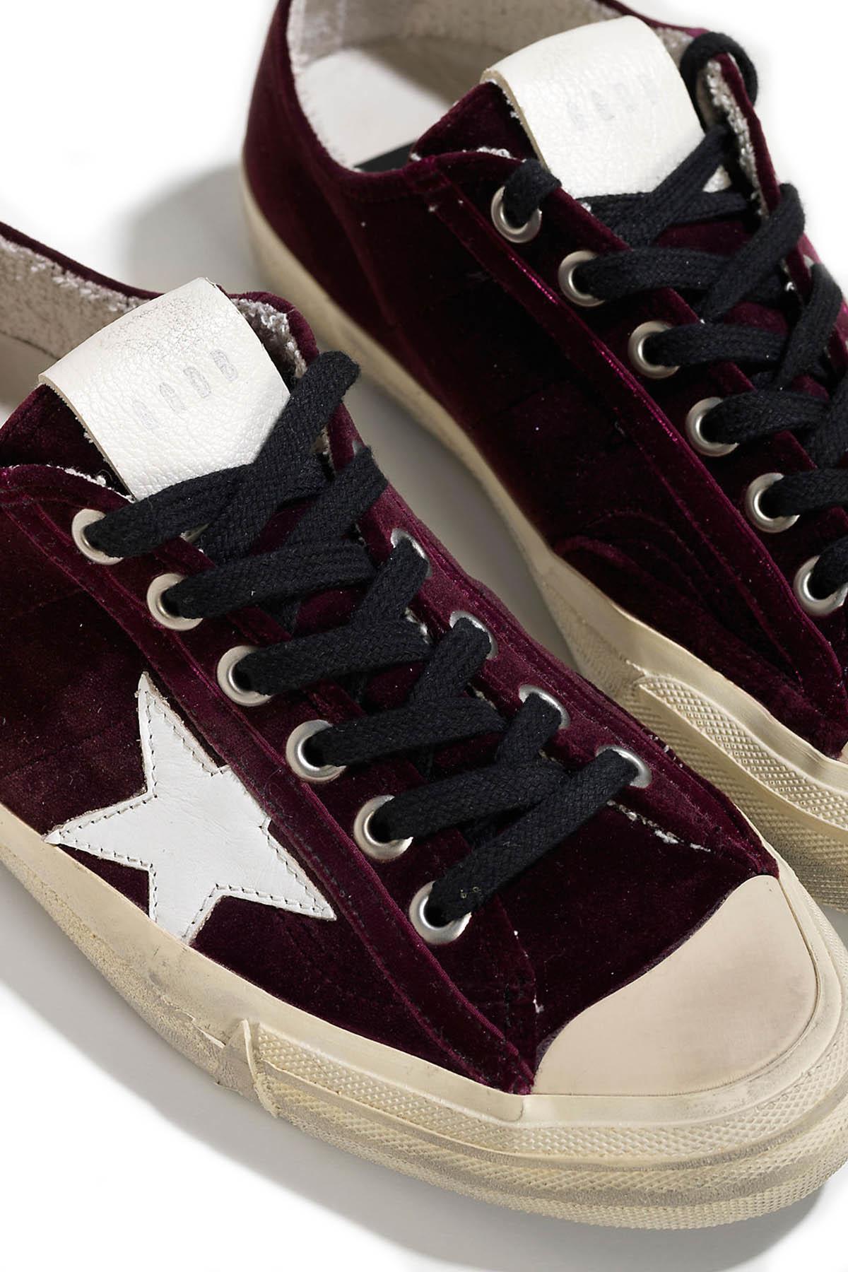 Golden Goose Deluxe Brand V-Star 2 Velvet Sneakers in Plum (Red)