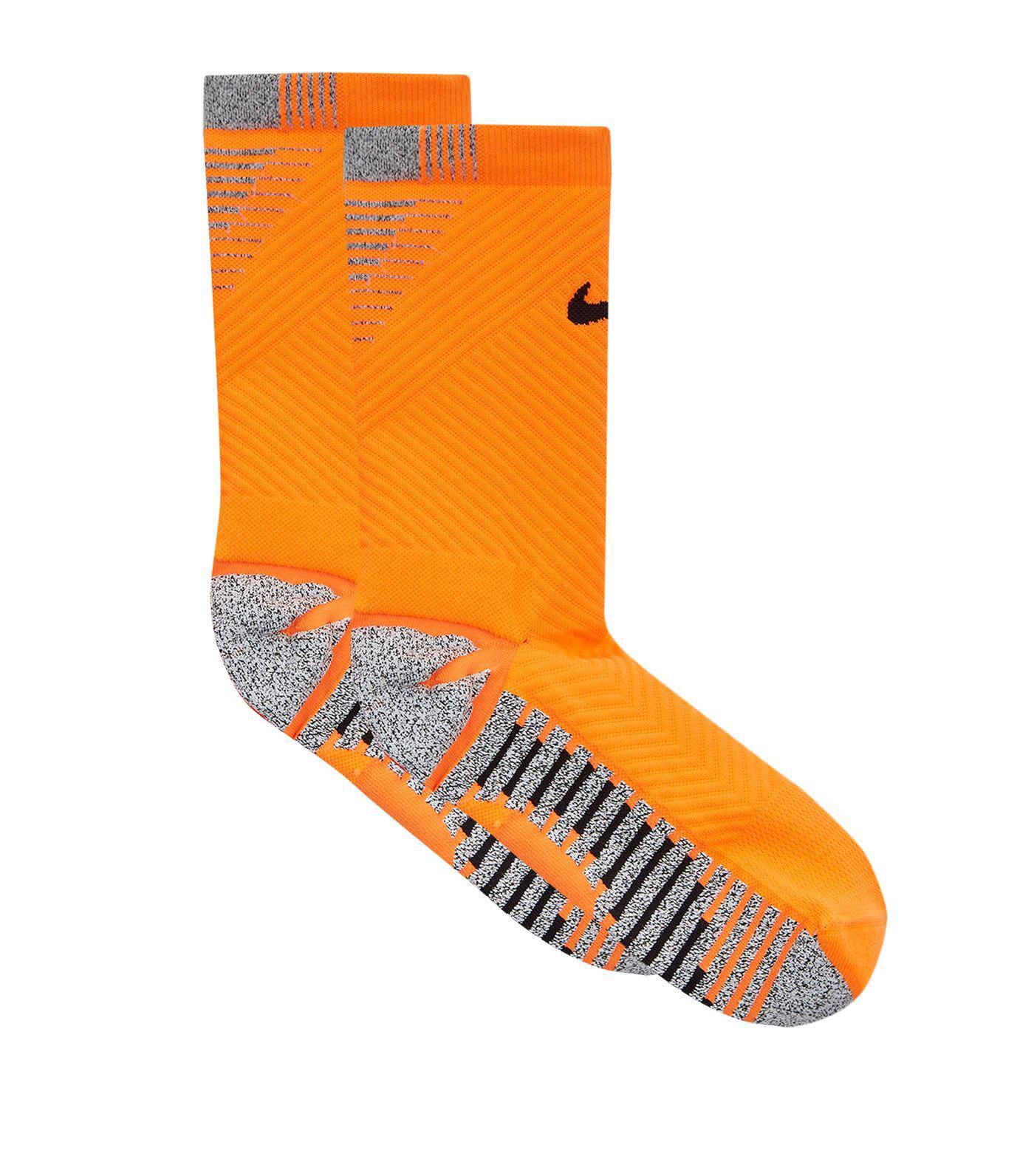 en términos de vertical Transitorio  adidas Parley Socks in White for Men - Lyst
