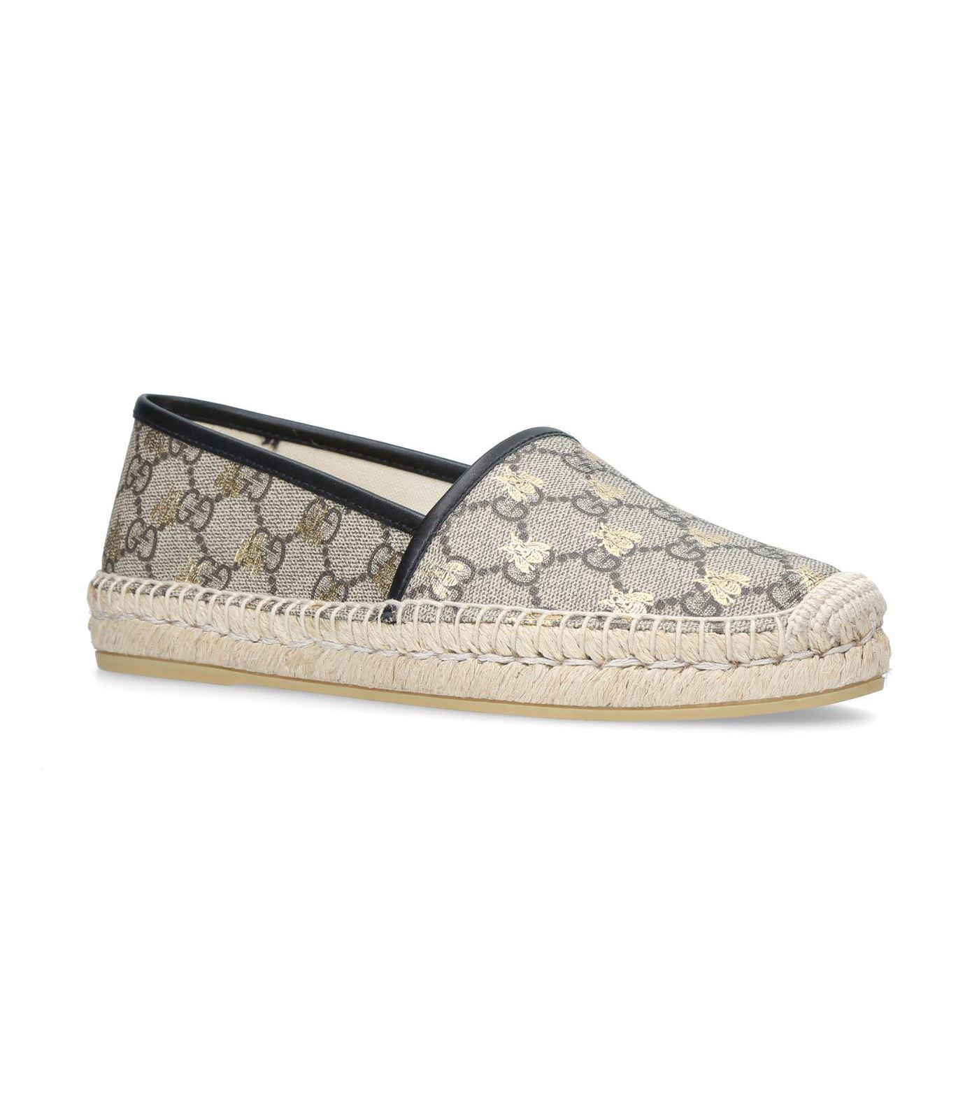 efd35fd0ff6 Gucci GG Supreme Bee Espadrilles in Natural - Save 1% - Lyst