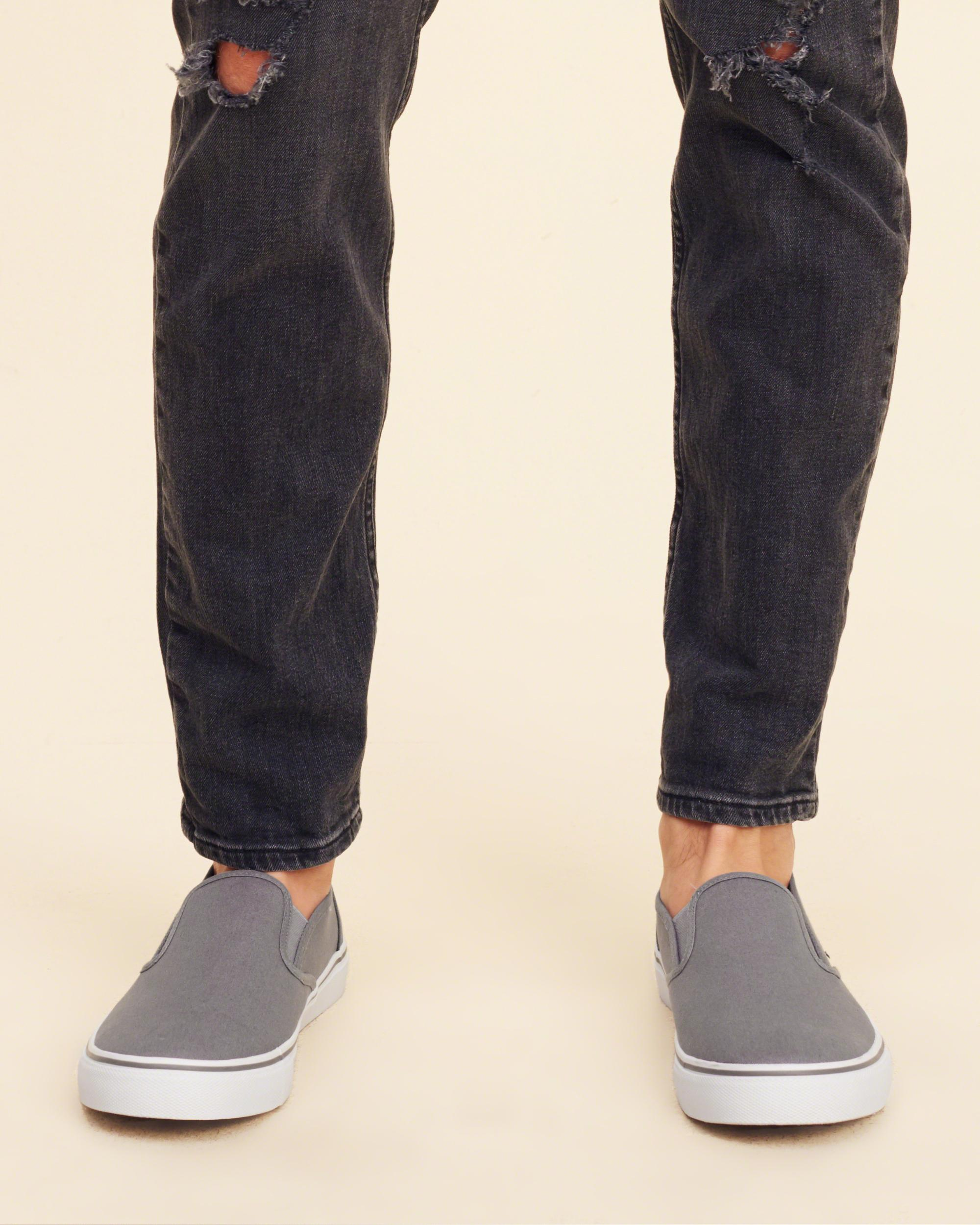 Hollister Canvas Classic Sneaker in Grey (Grey)