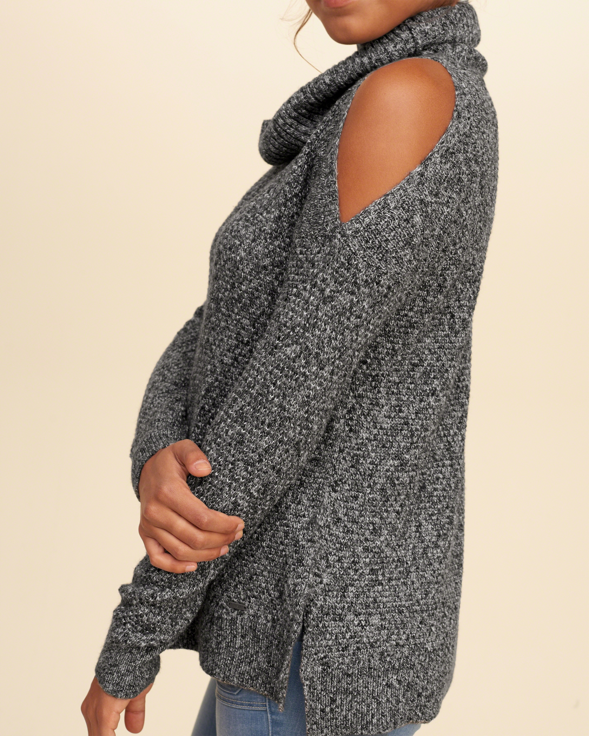Hollister Cowl Neck Cold Shoulder Sweater in Gray | Lyst