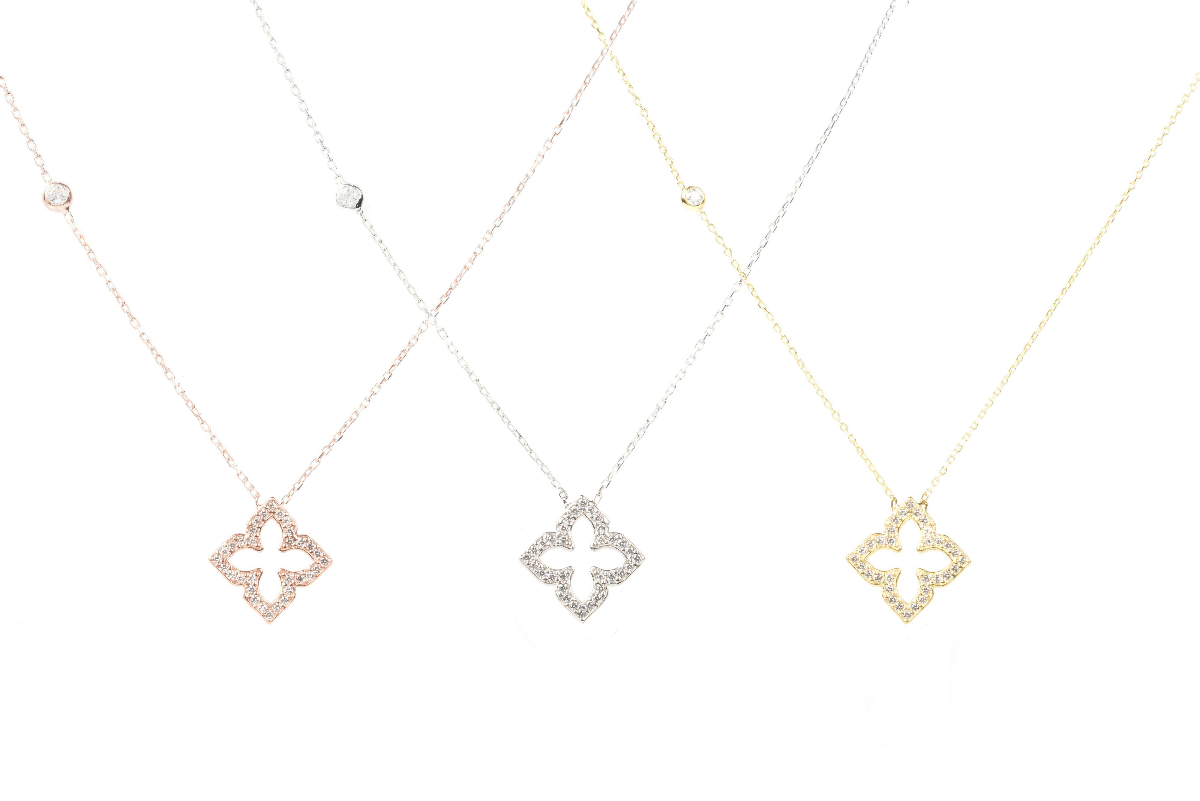 LÁTELITA London Open Pointed Clover Necklace Gold in Metallic