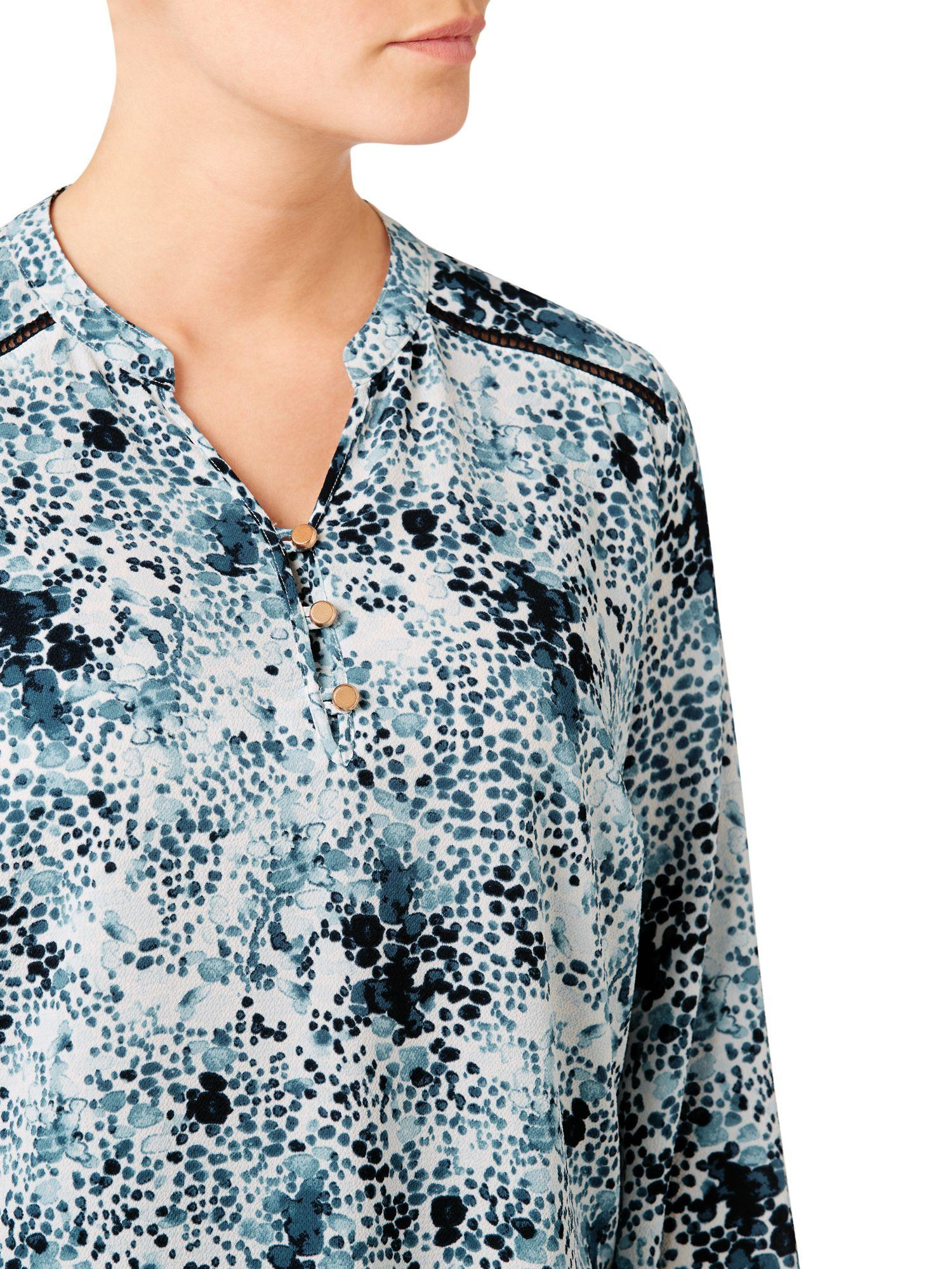 Eastex Synthetic Tessarae Print Blouse in Blue