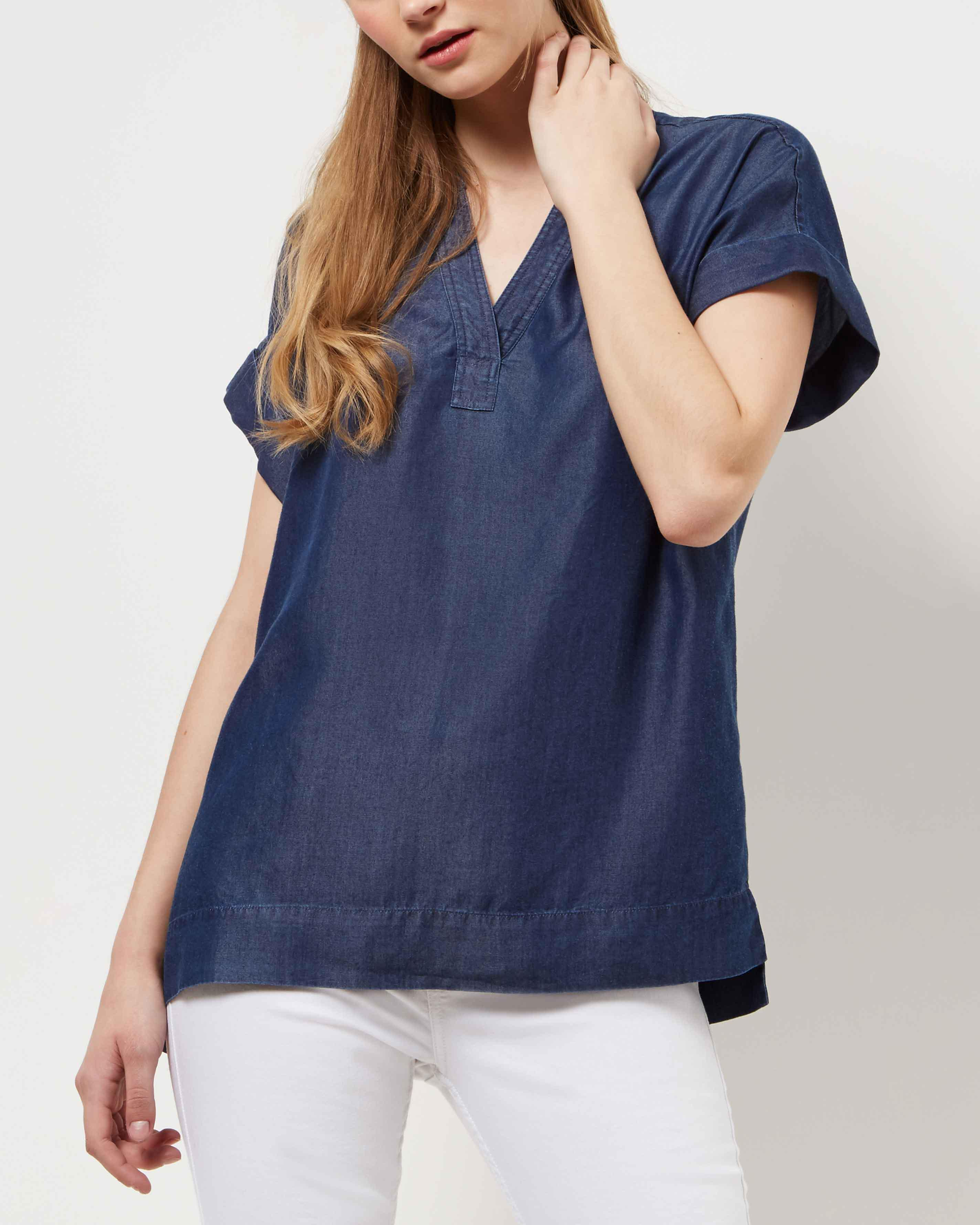 Lyst jaeger chambray t shirt in blue save 2 for Blue chambray shirt women s