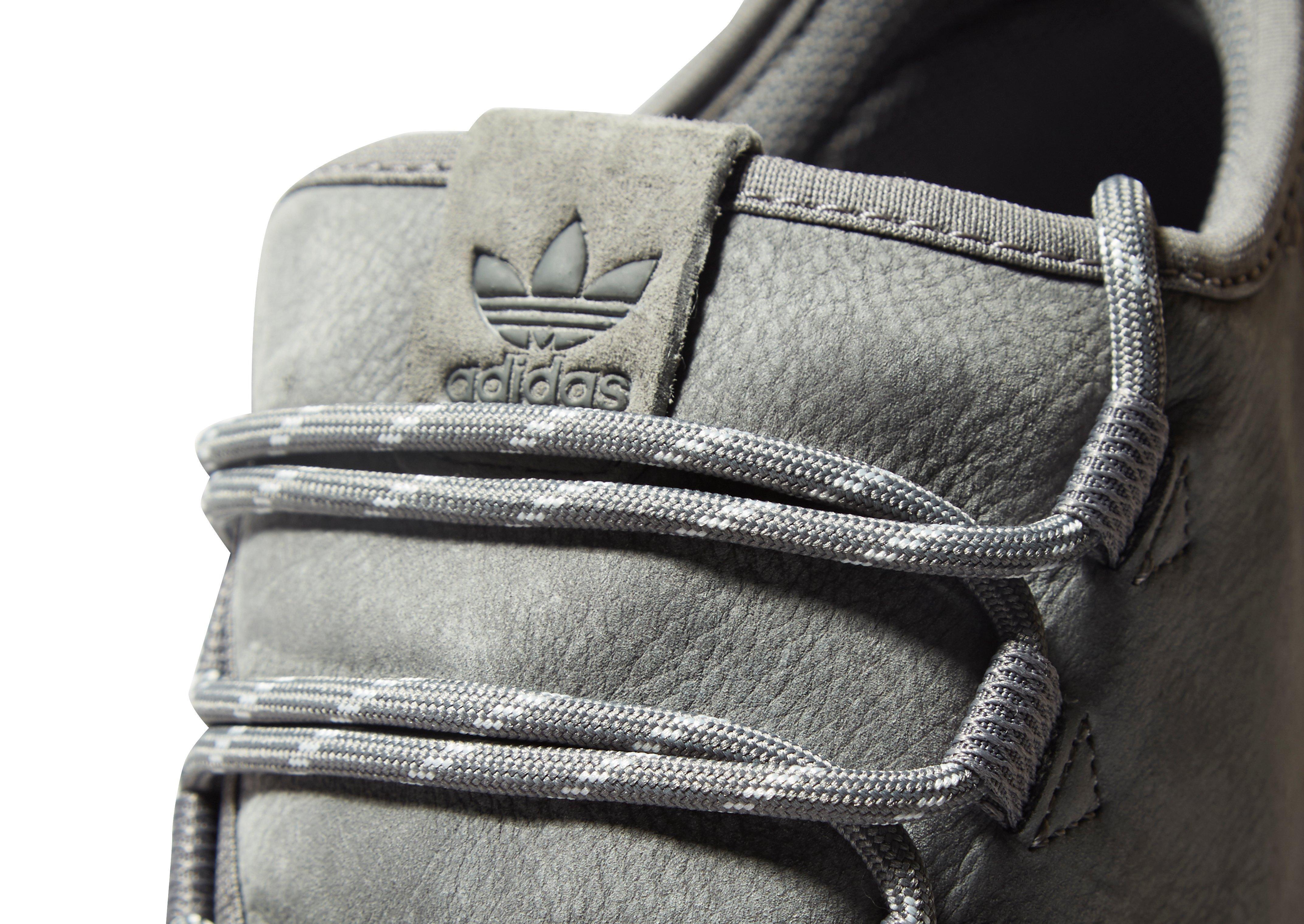 lyst adidas originali tubulare ombra di pelle in grigio per gli uomini.