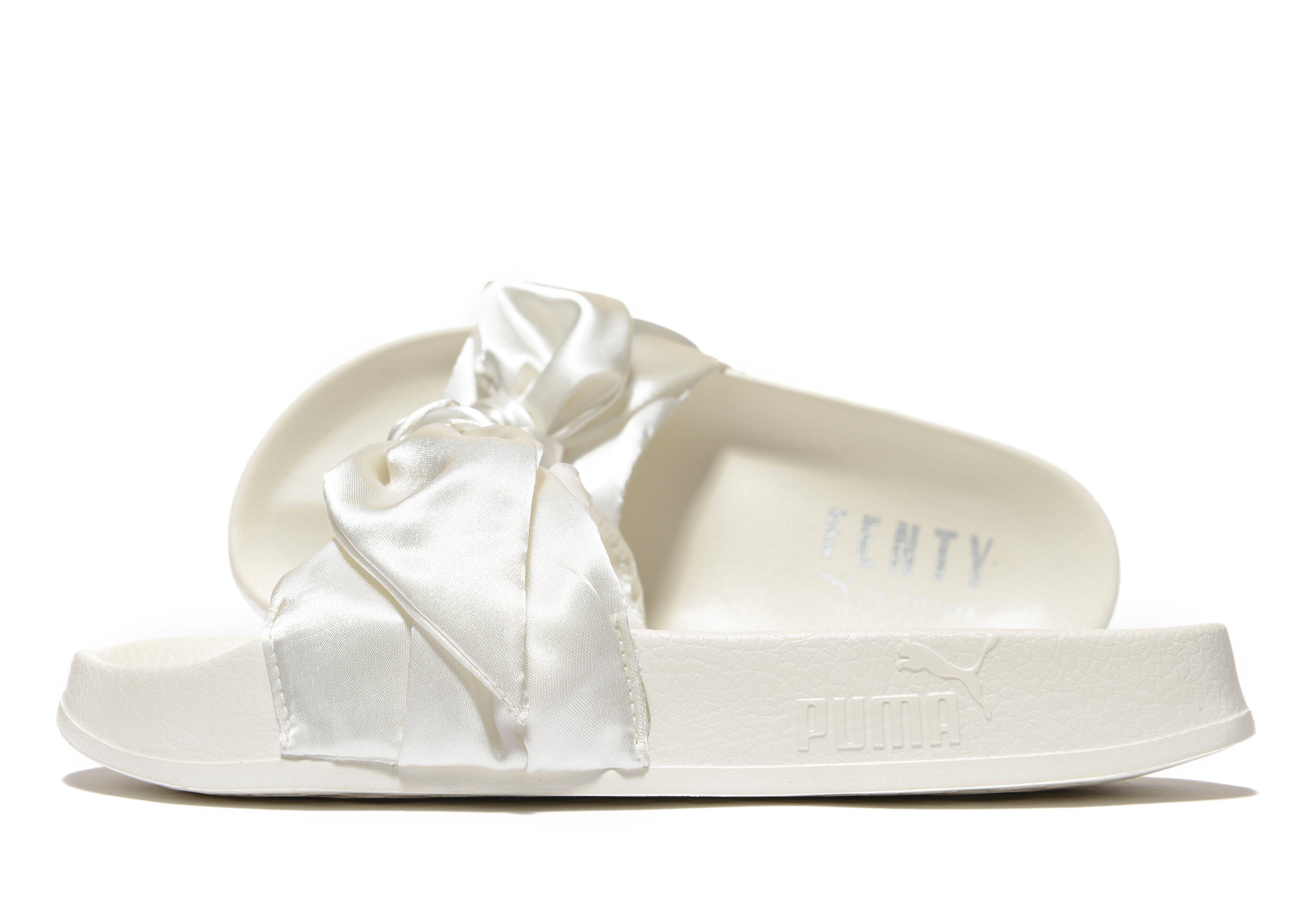 new product 7cdbd 5057e Women's White Fenty Bow Slide