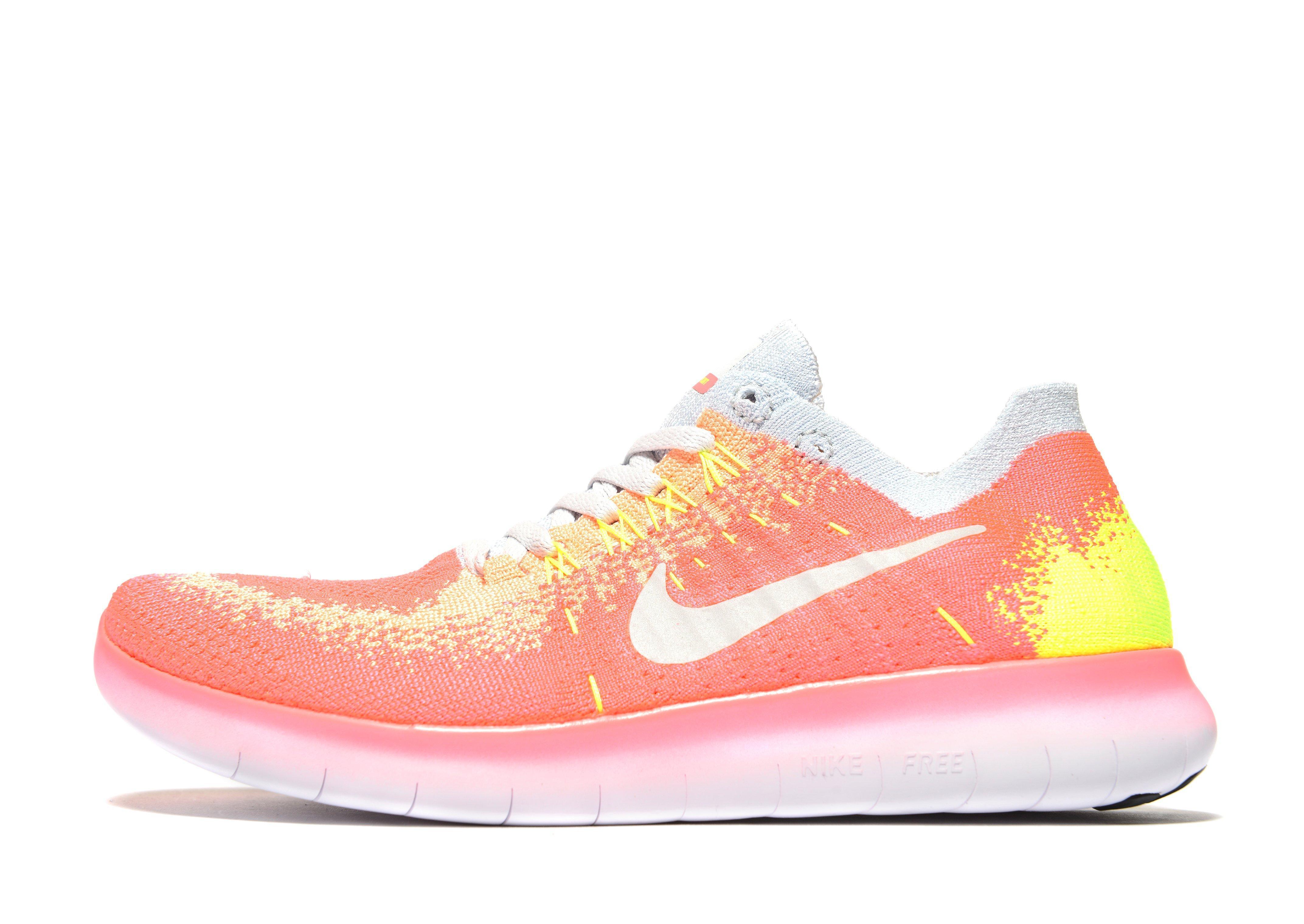 the best attitude 3bcbb 1a17c Nike Free Run Flyknit Junior in Pink - Lyst