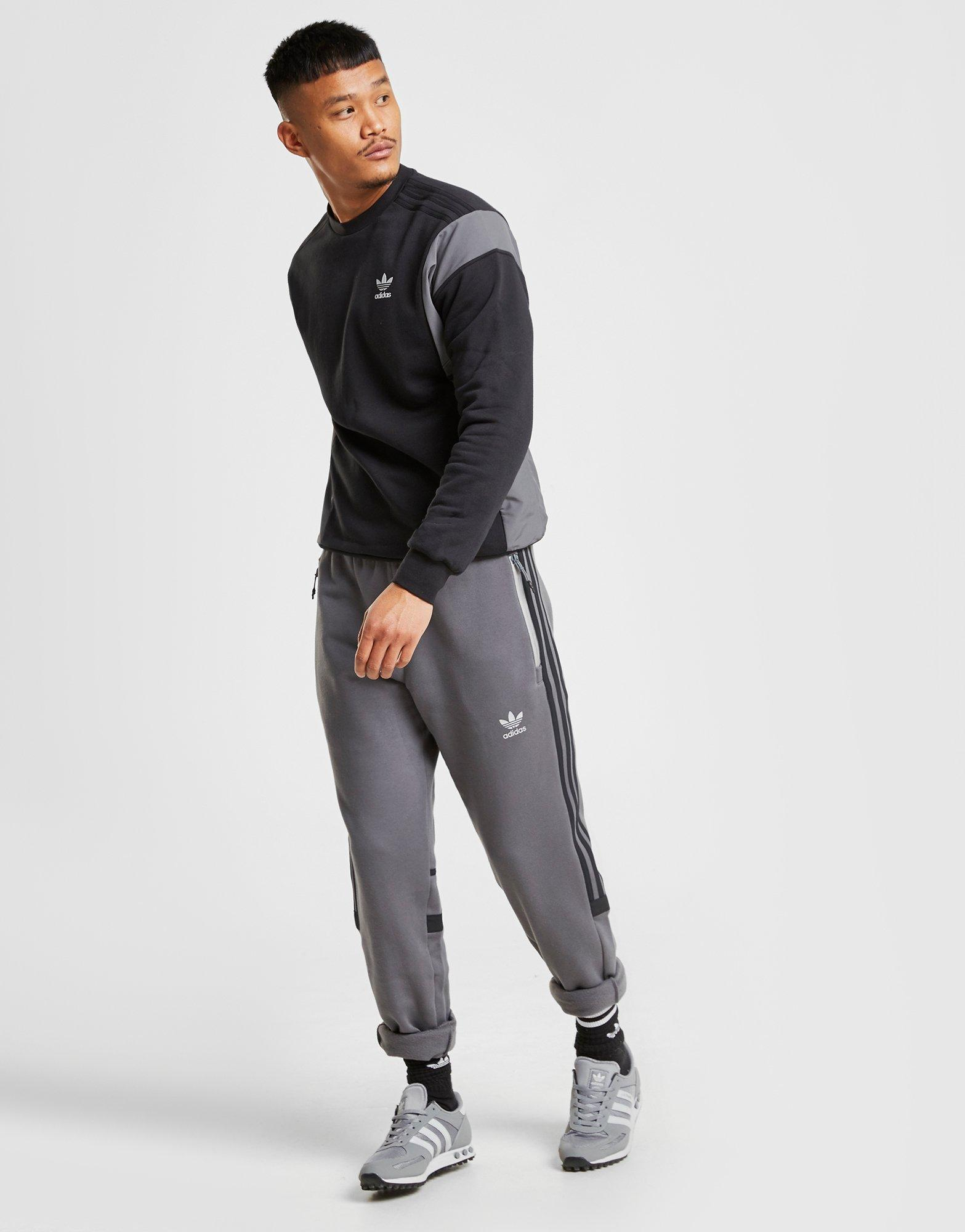 Run Crew Sweatshirt in Black/Grey (Gray