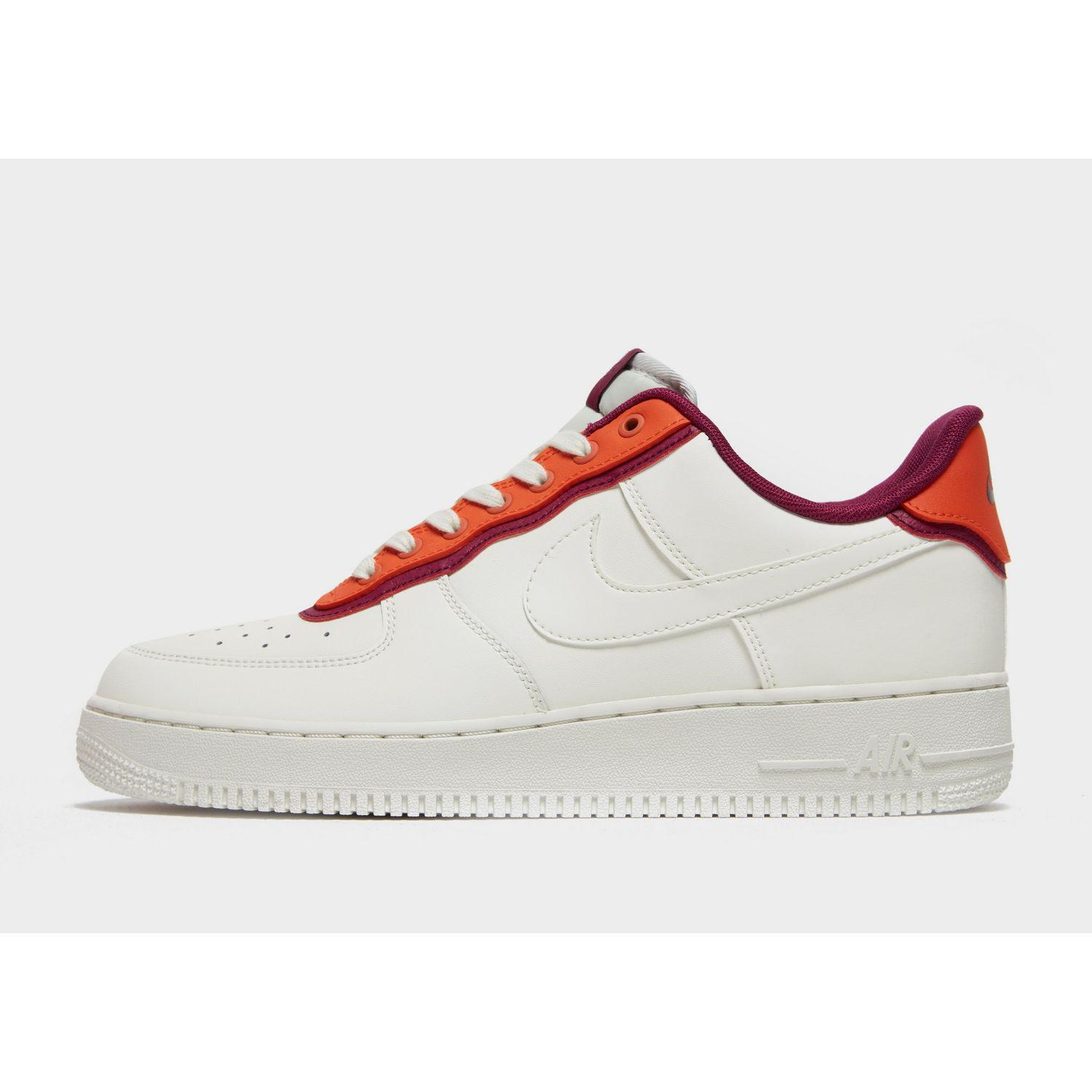 Nike Leather Air Force 1 '07 Lv8 in