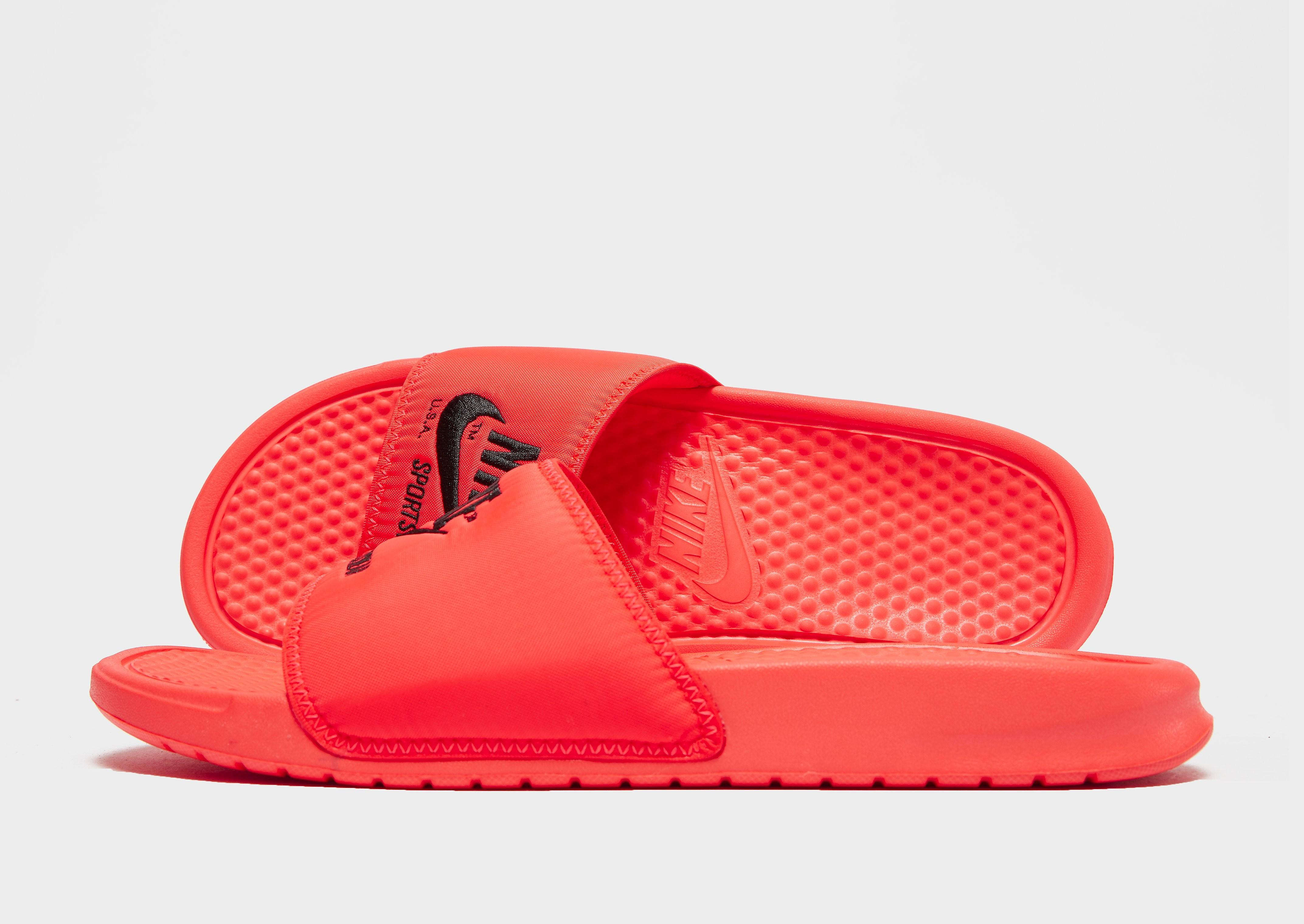 retail prices on sale website for discount Claquettes Sportswear Benassi Text Homme