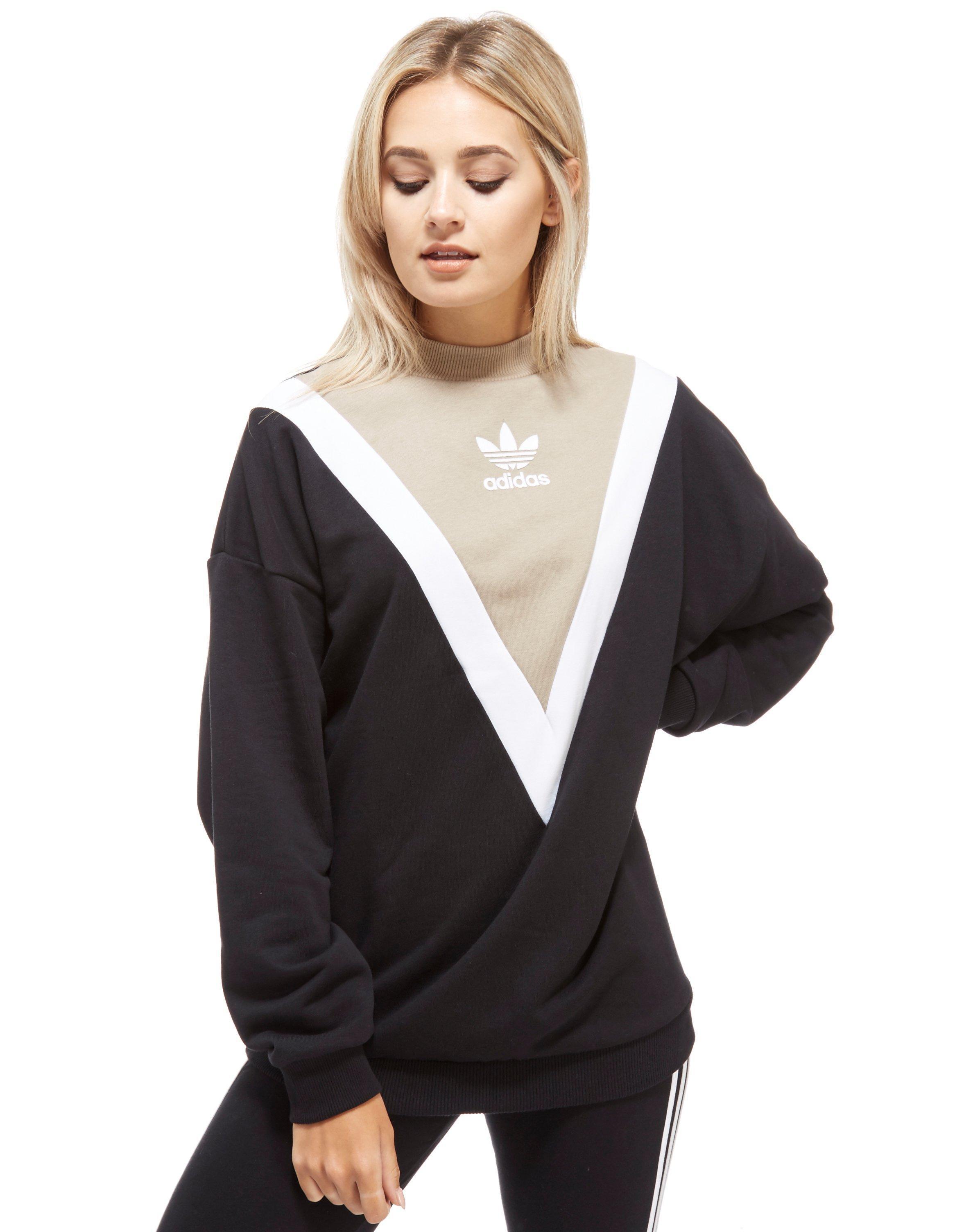 adidas Originals Chevron Sweatshirt in BlackBeige (Black