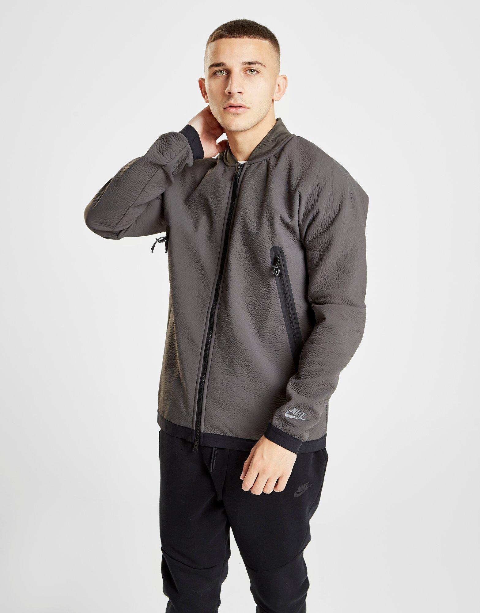07ed157546 Lyst - Nike Tech Woven Jacket in Green for Men