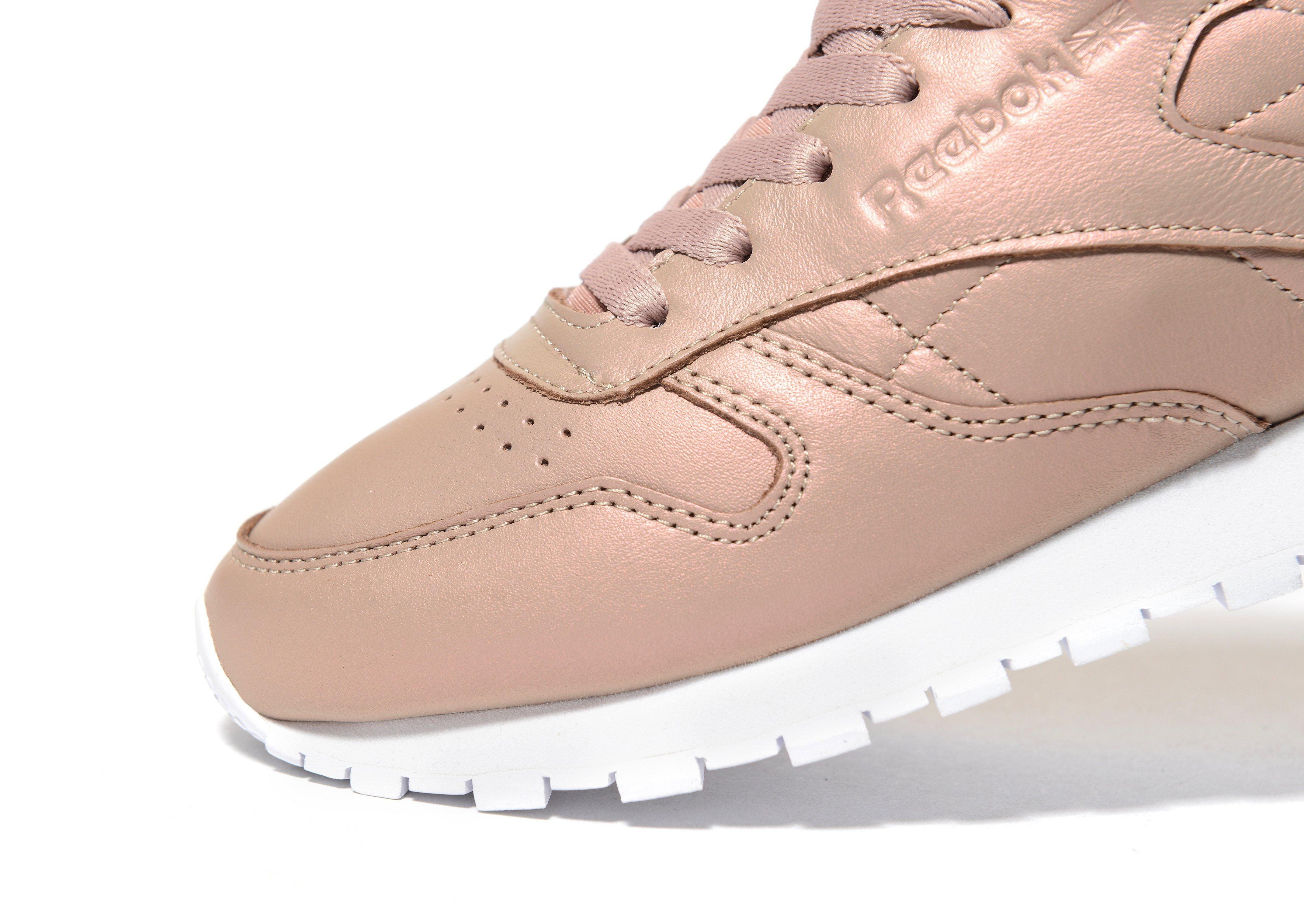 lyst reebok classic leather pearlised in pink. Black Bedroom Furniture Sets. Home Design Ideas