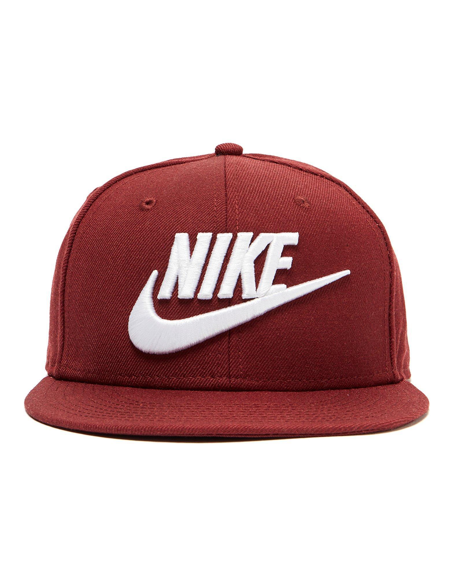 d02a5259 Nike Futura True 2 Snapback Cap in Red for Men - Lyst