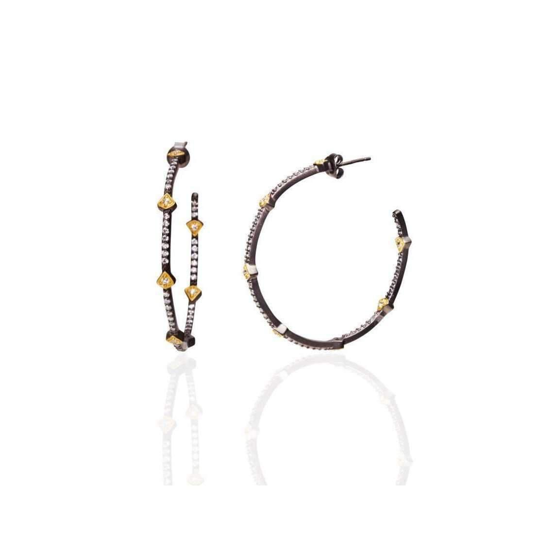 arrow embellished earrings - Black Red Valentino QYP12NEh