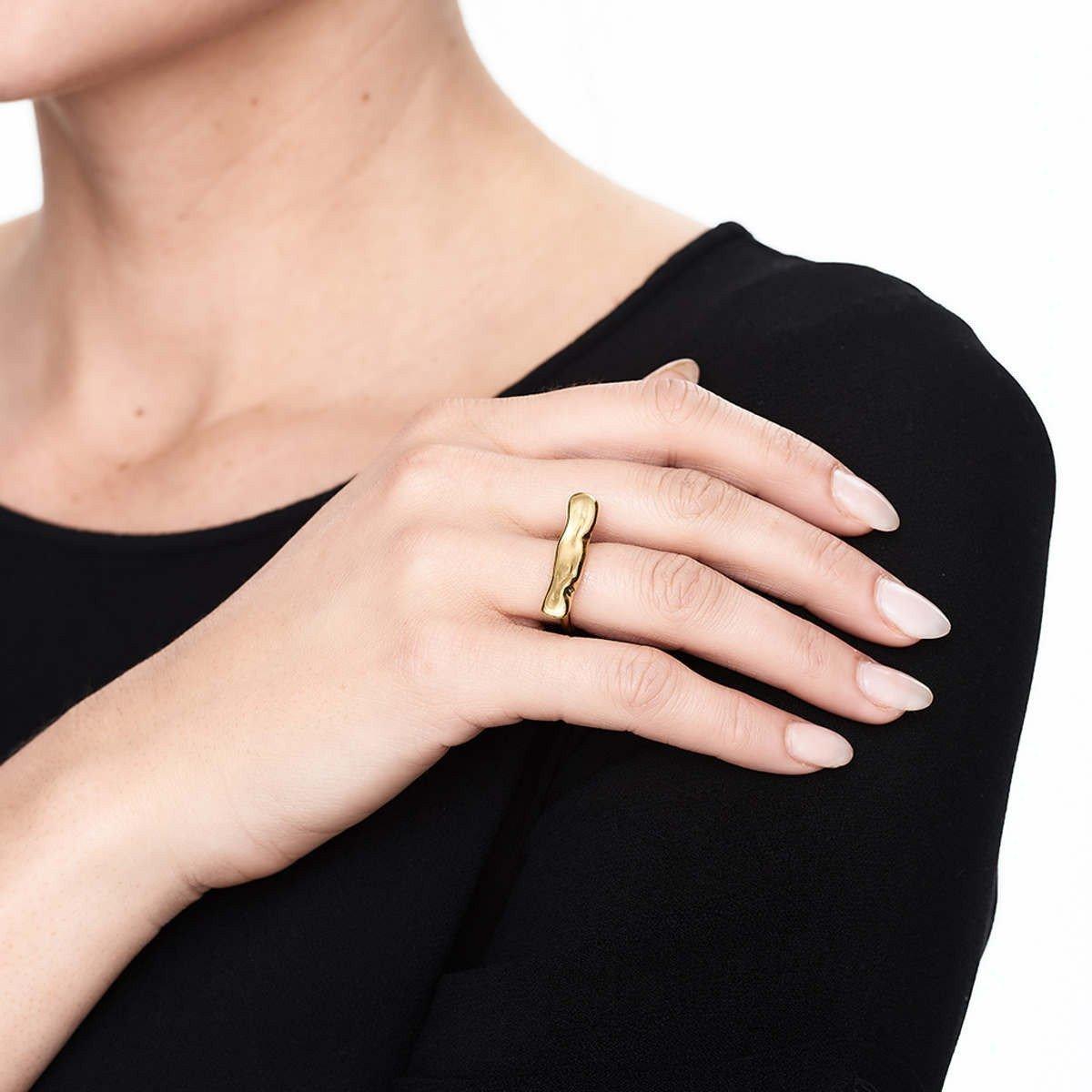 Deborah Blyth Jewellery Gold Wave Bar Ring in Metallic