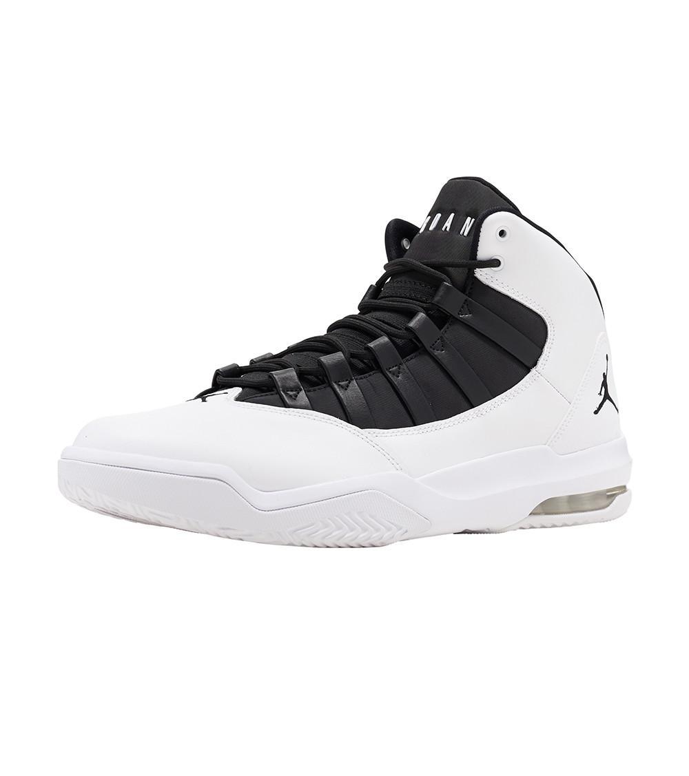 b2e532d4fd58 Nike Max Aura Basketball Sneaker in White for Men - Lyst