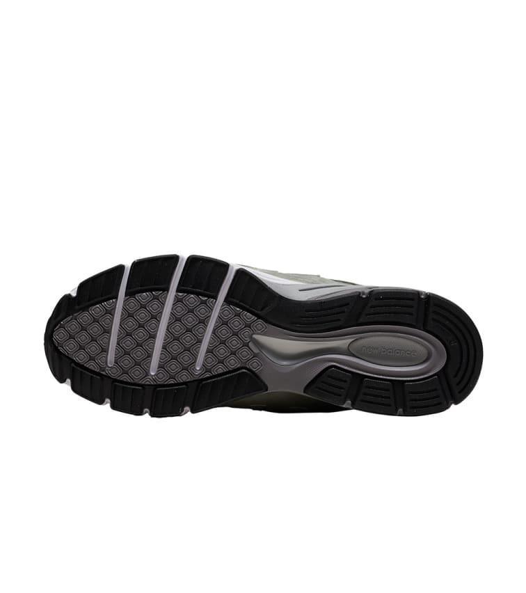 the best attitude 952bc 5fa9b Men's Green 990 Running Sneaker