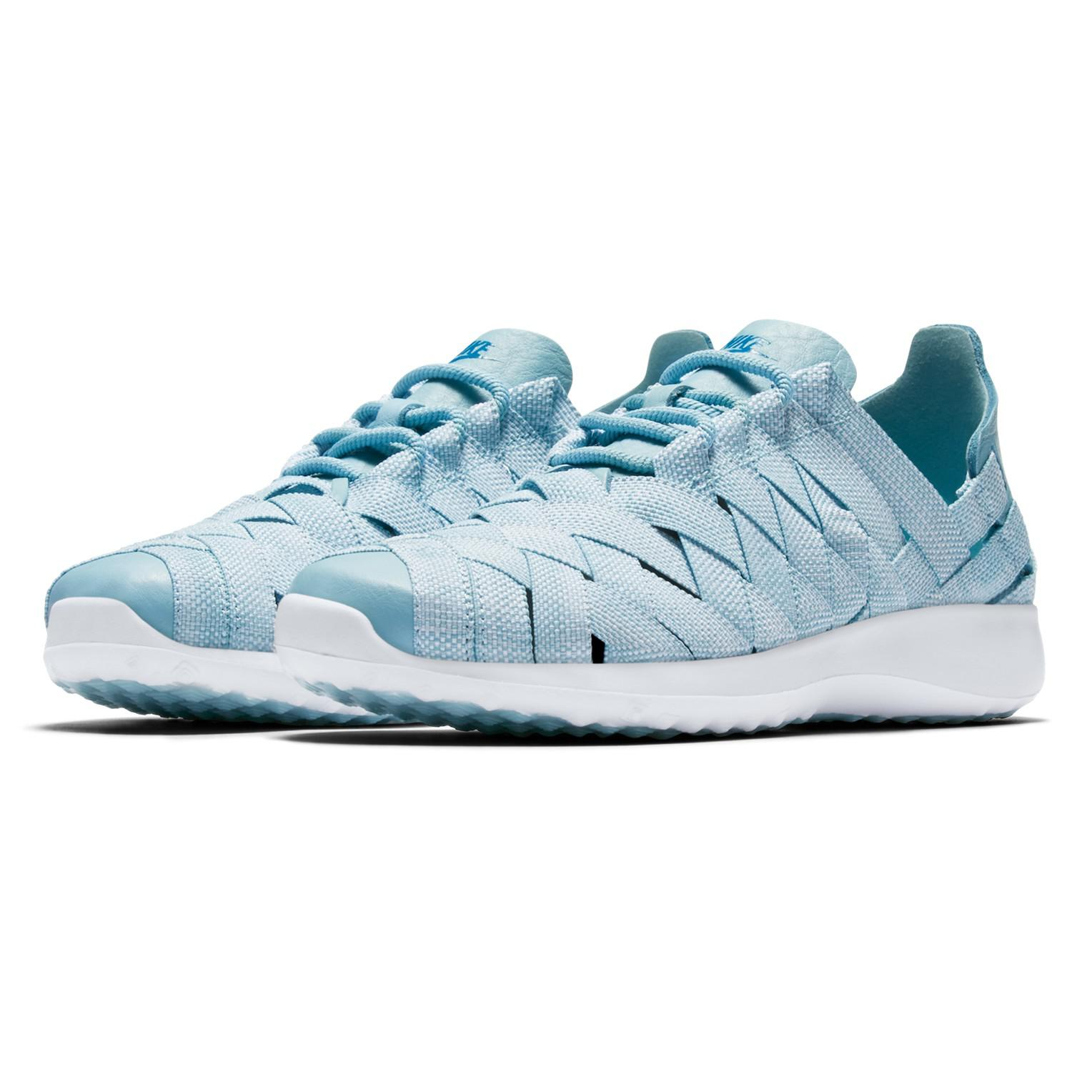 788ea328698 Nike Juvenate Woven Premium Women s Trainers in Blue - Lyst