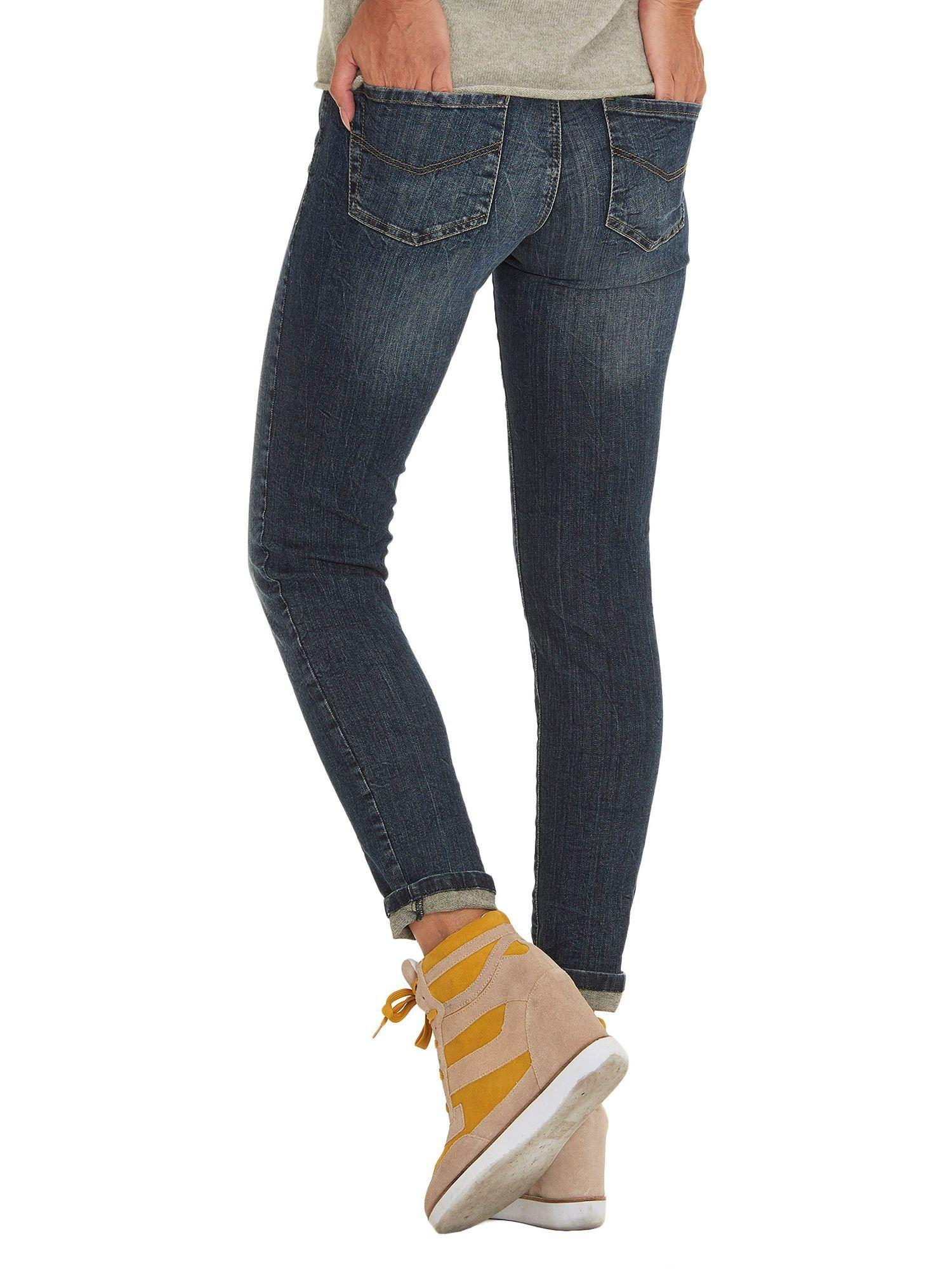 Betty & Co. Denim Easy Fit Five Pocket Jeans in Dark Blue Denim (Blue)