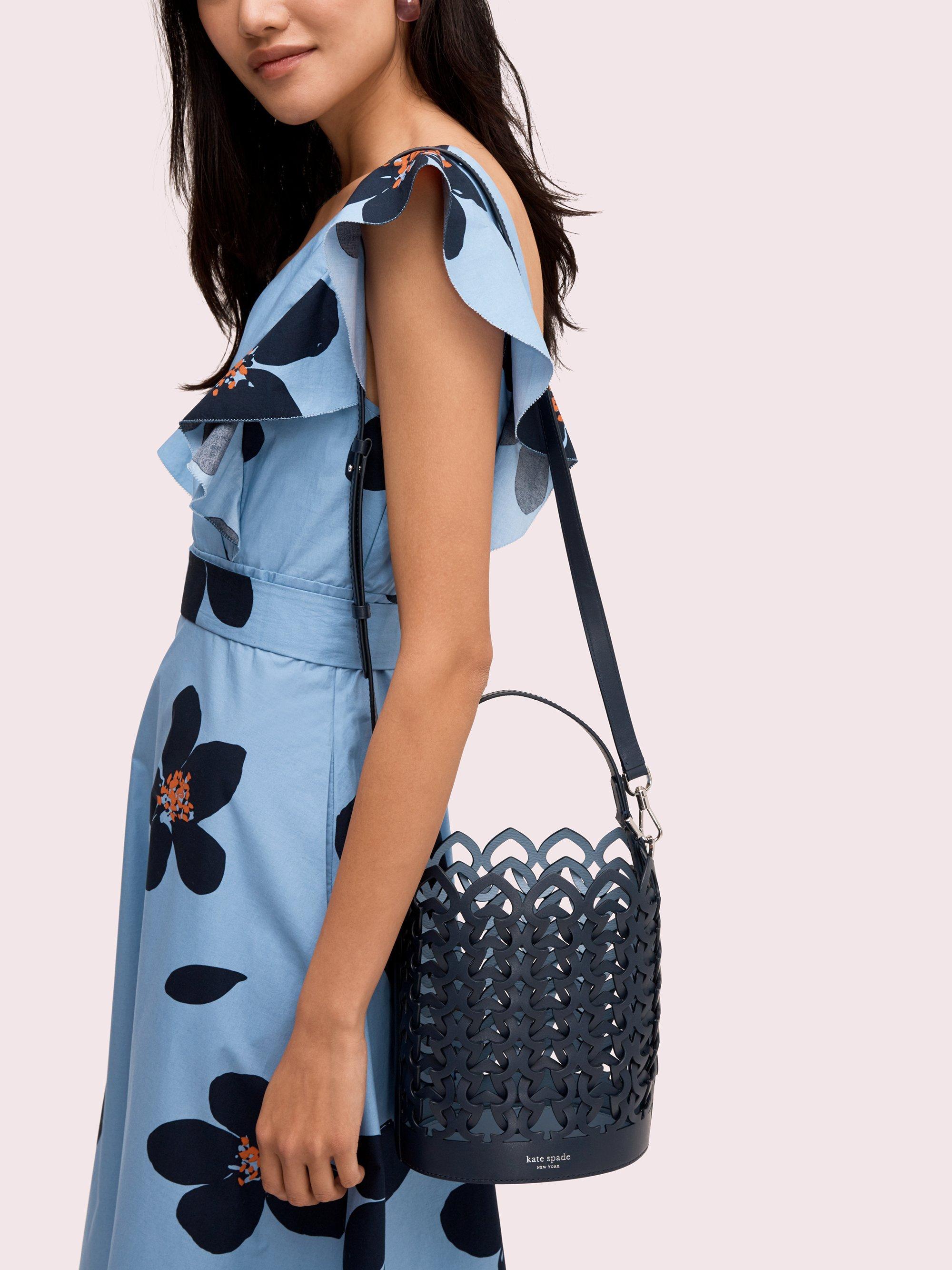 13027681aa8 Top 10 Punto Medio Noticias   Dorie Bucket Bag Kate Spade