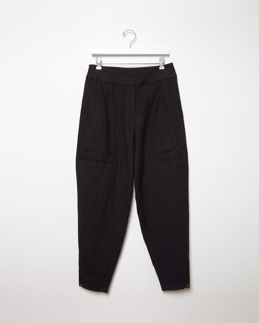 Lemaire Linen Carrot Pants in Black