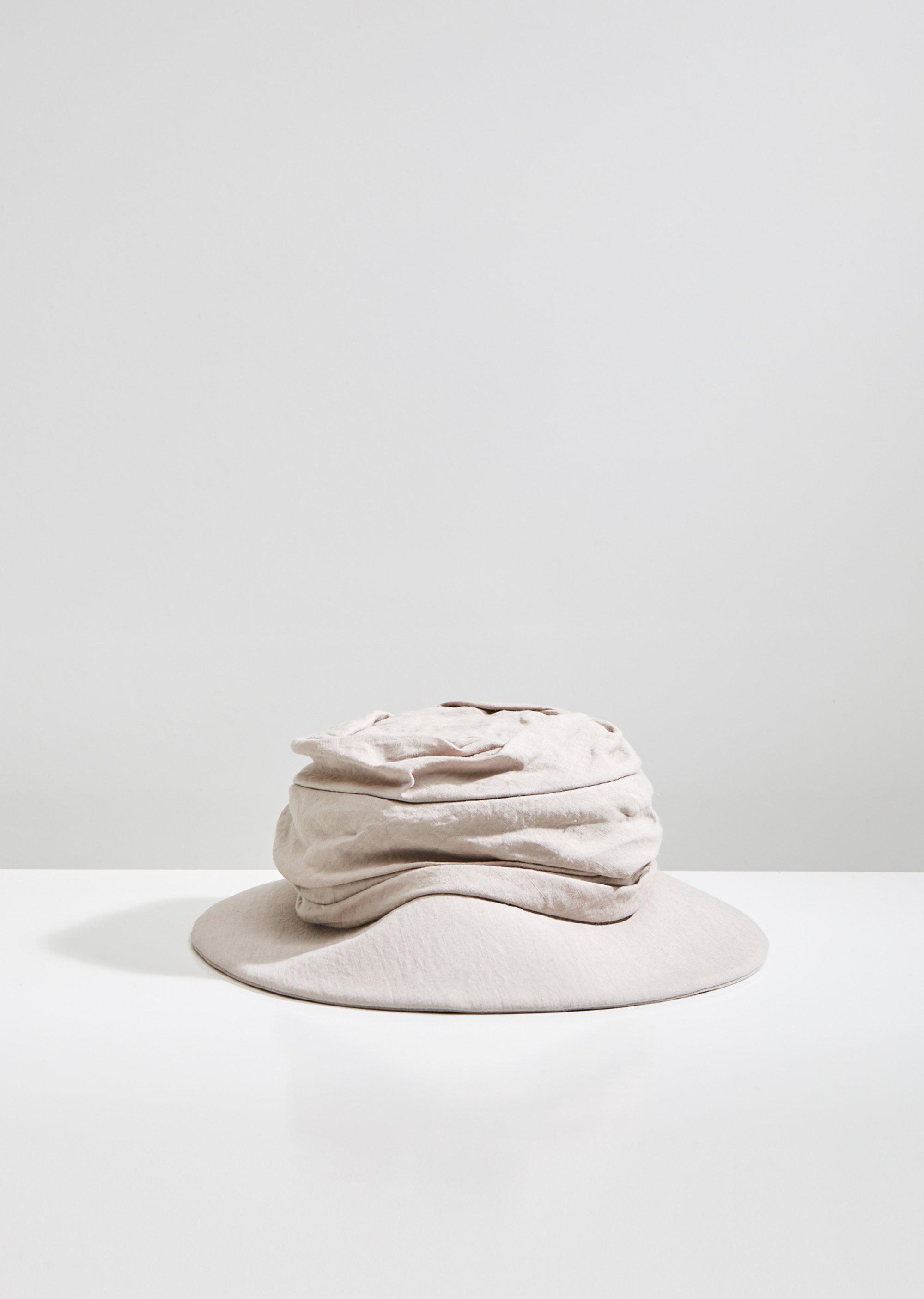 5c516b88965 Y s Yohji Yamamoto Gathered Linen Hat in Natural - Lyst