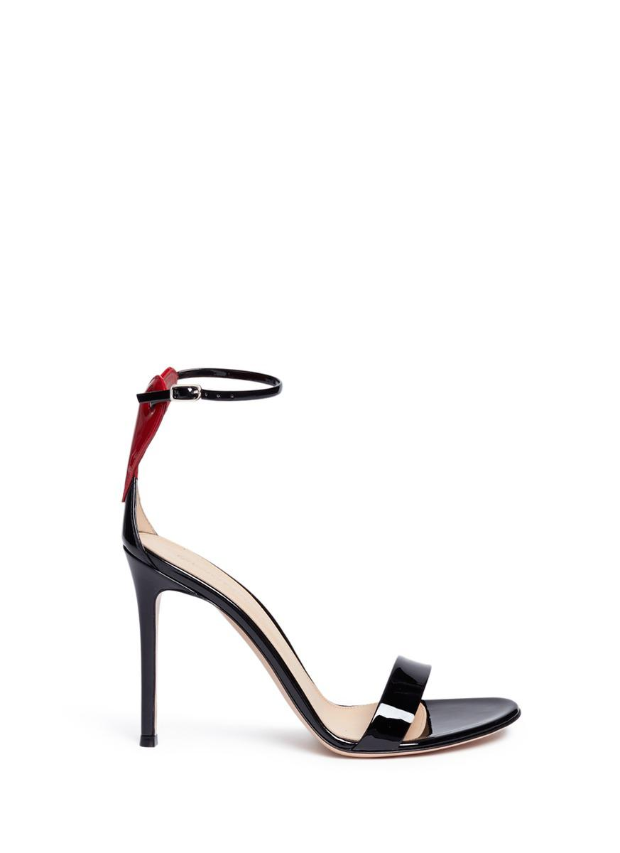 Love cut-out heart sandals - Black Gianvito Rossi 8k79T