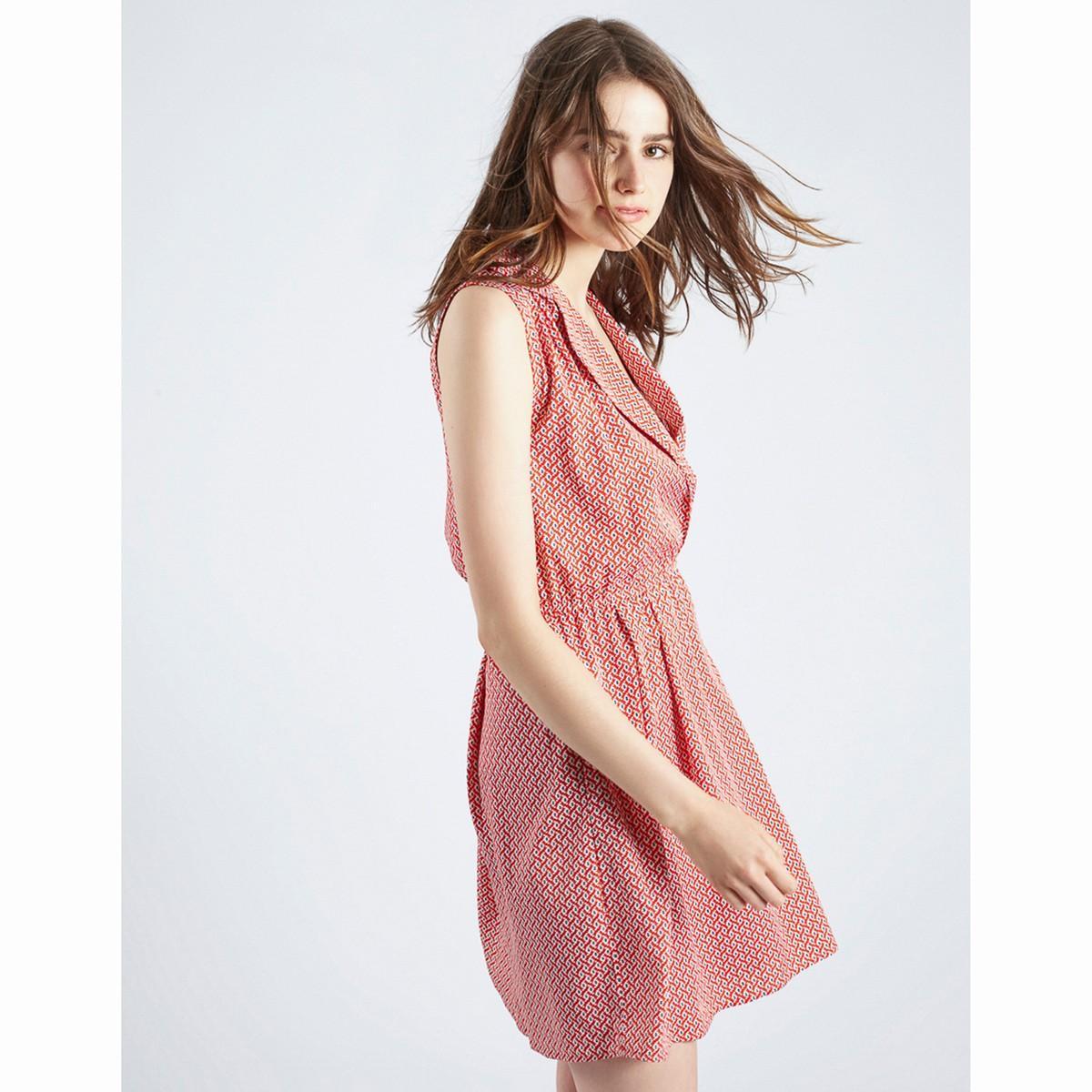 Lyst compania fantastica robe sans manches evasee imprimee for Robe rouge évasée