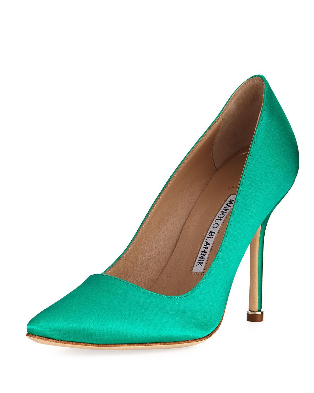 23da2cf650a Manolo Blahnik Satin Pointed-toe Pumps Green in Green - Lyst