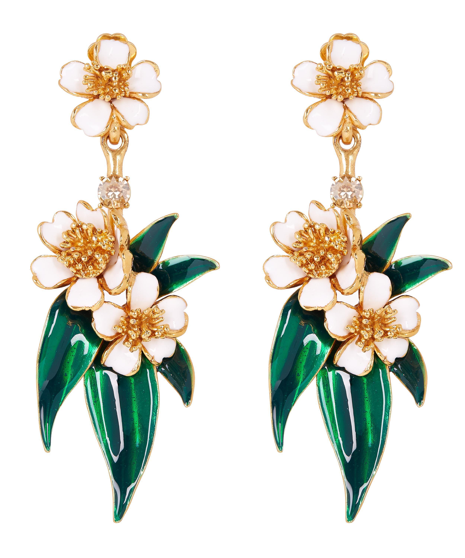Oscar De La Renta Delicate Flower Drop Earring In Green