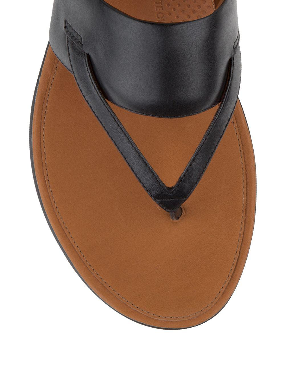 c64e8baee Lyst - Fitflop Delta Tm Leather Thong Sandals in Black