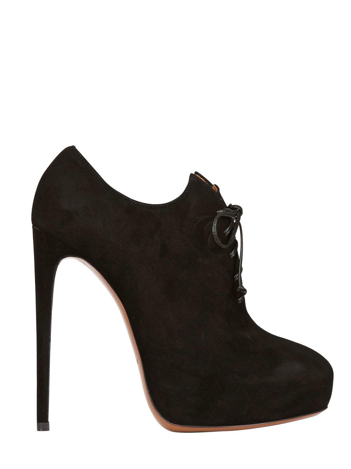 Alaïa 130mm Suede Lace Up Boots in