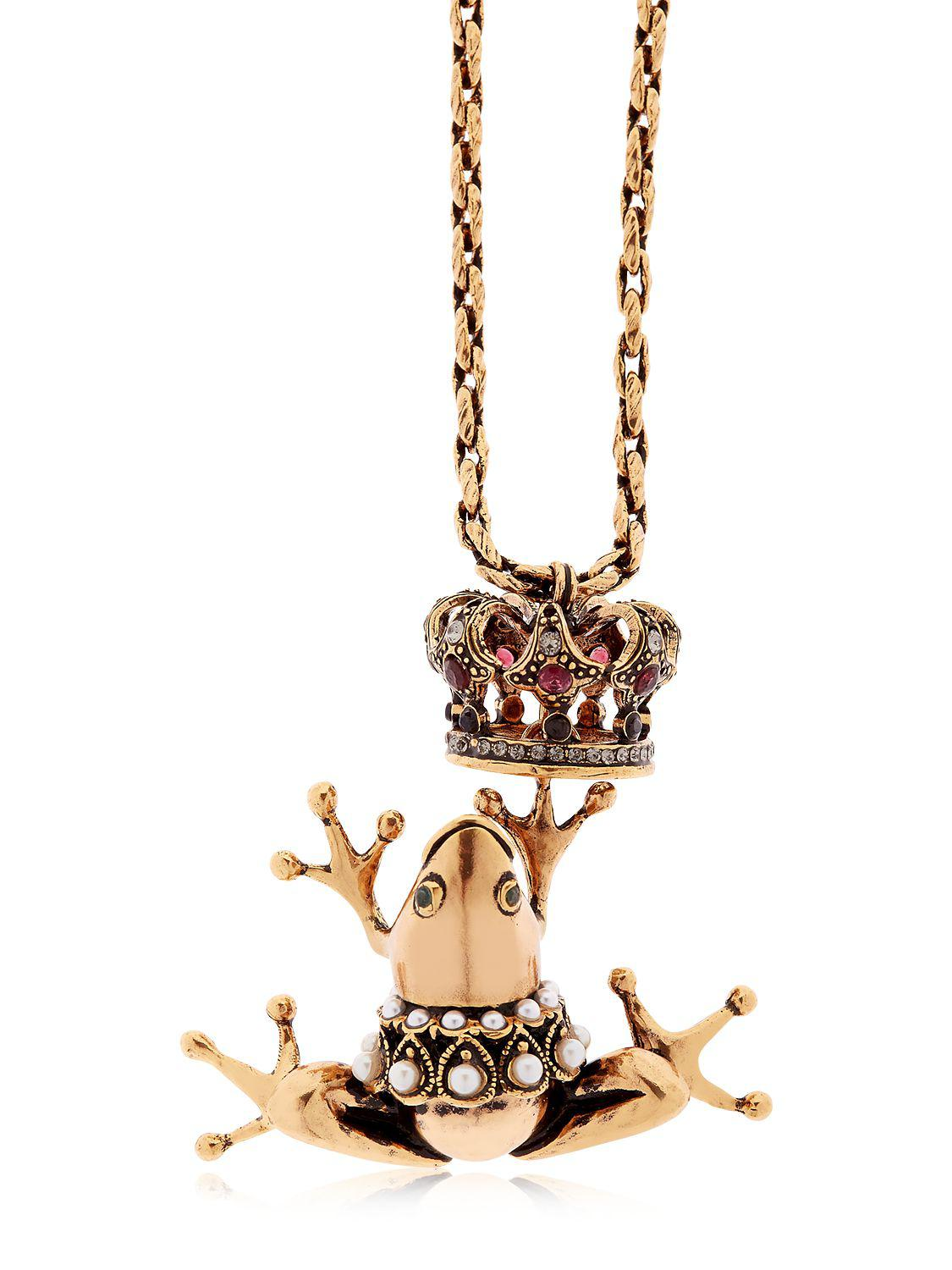Alcozer & J Frog Prince Necklace in Gold (Metallic)