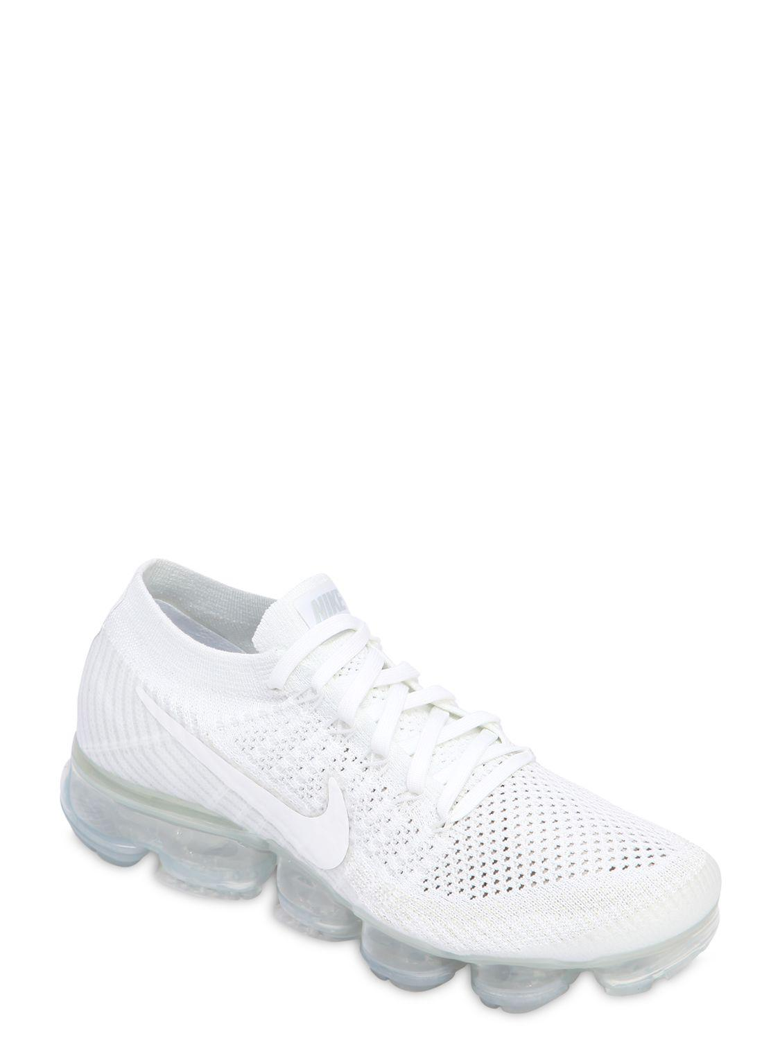 Nike Air Vapormax Flyknit Sneakers in White