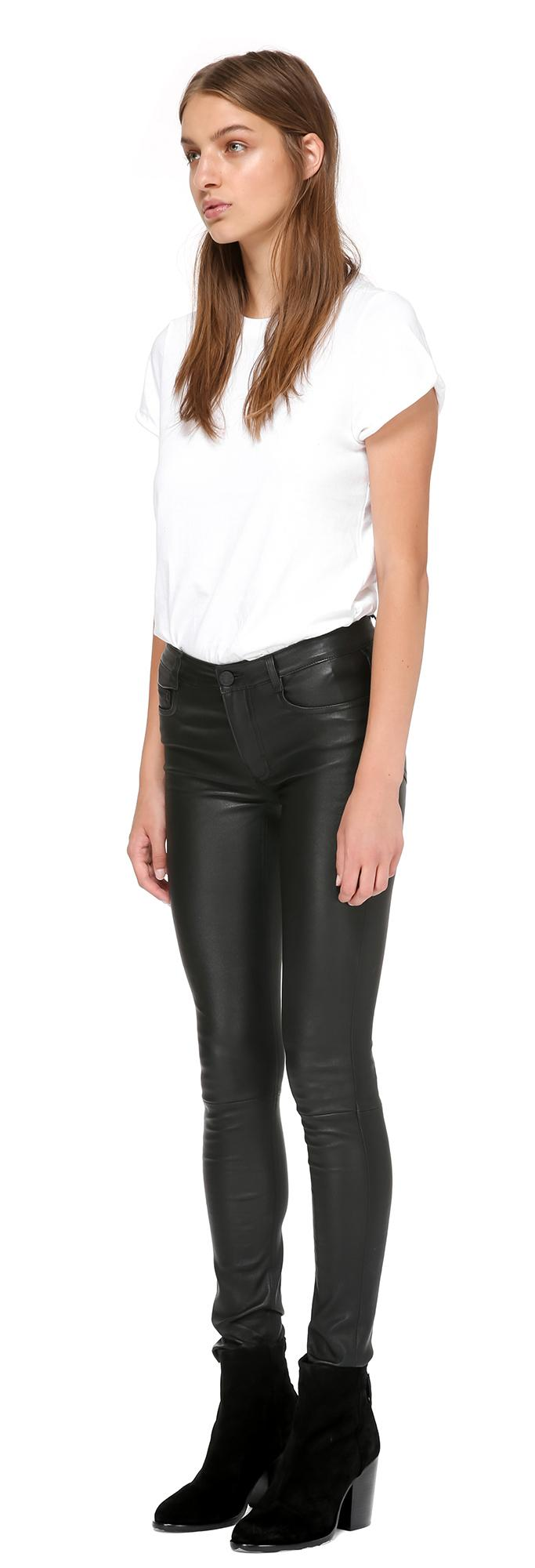 Xelement 'Classic' Men's Black Loose Fit Leather Pants Brand Name Pants by Xelement. ON SALE for a very Limited Time!! Men's fully lined up to the knee five pocket LOOSE FIT black leather jeans.