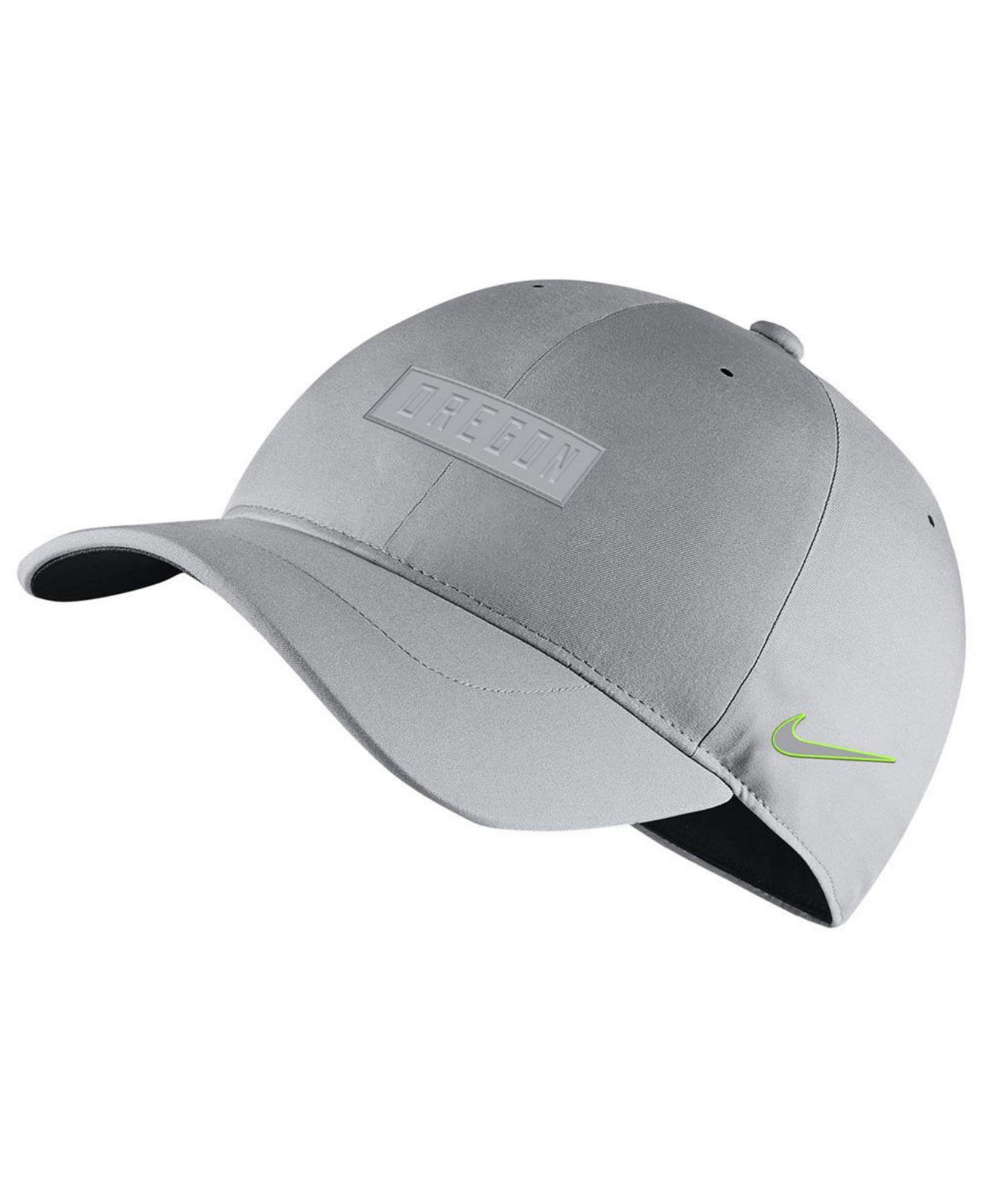 buy popular 26fed 13687 Nike. Men s Gray Oregon Ducks Dri-fit Adjustable Cap