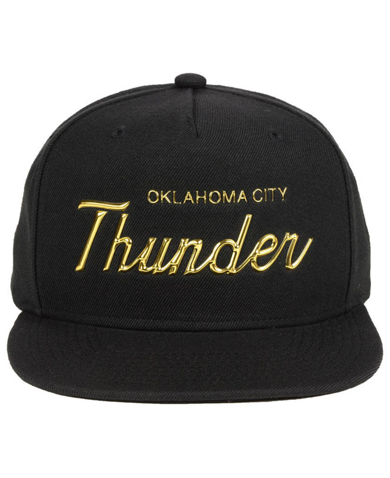 meet a2738 6432f Mitchell   Ness Oklahoma City Thunder Metallic Tempered Snapback Cap in  Metallic for Men - Lyst
