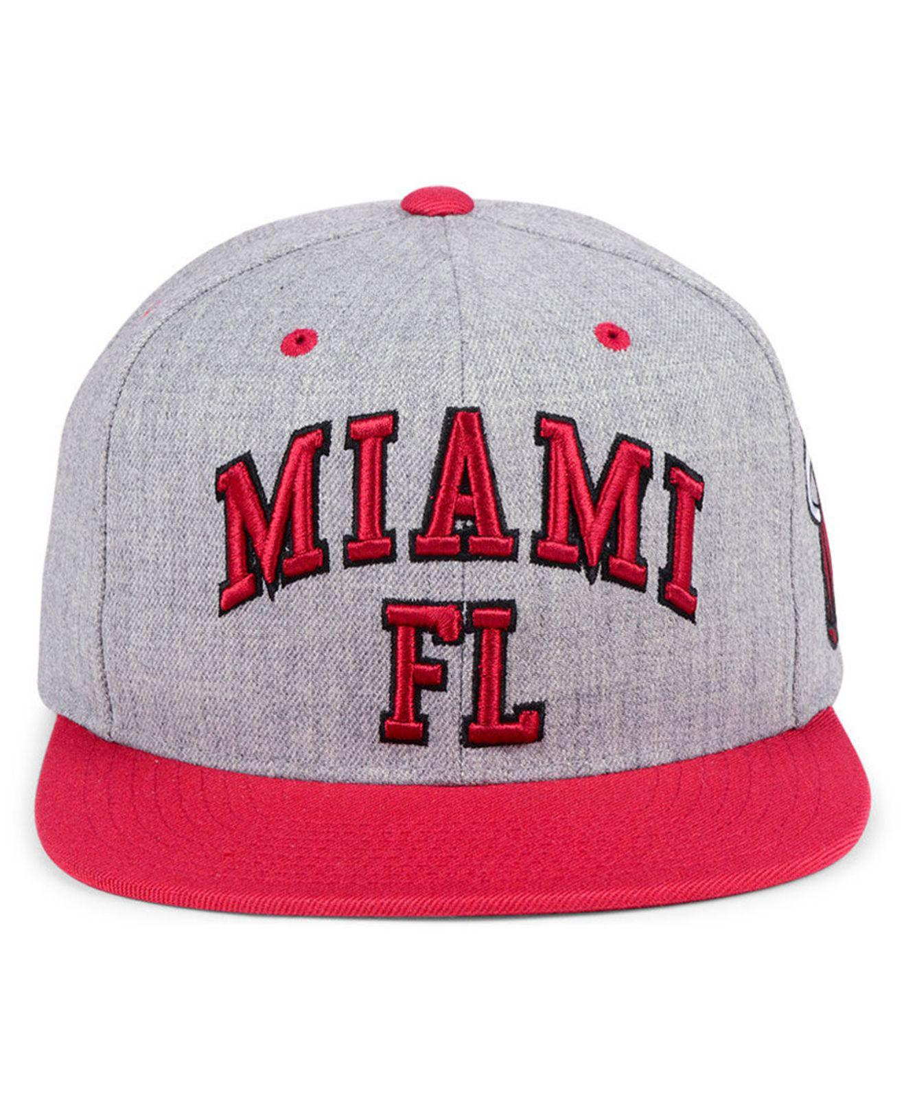 best website aa17f a7c26 Lyst - Mitchell   Ness Miami Heat Side Panel Cropped Snapback Cap for Men