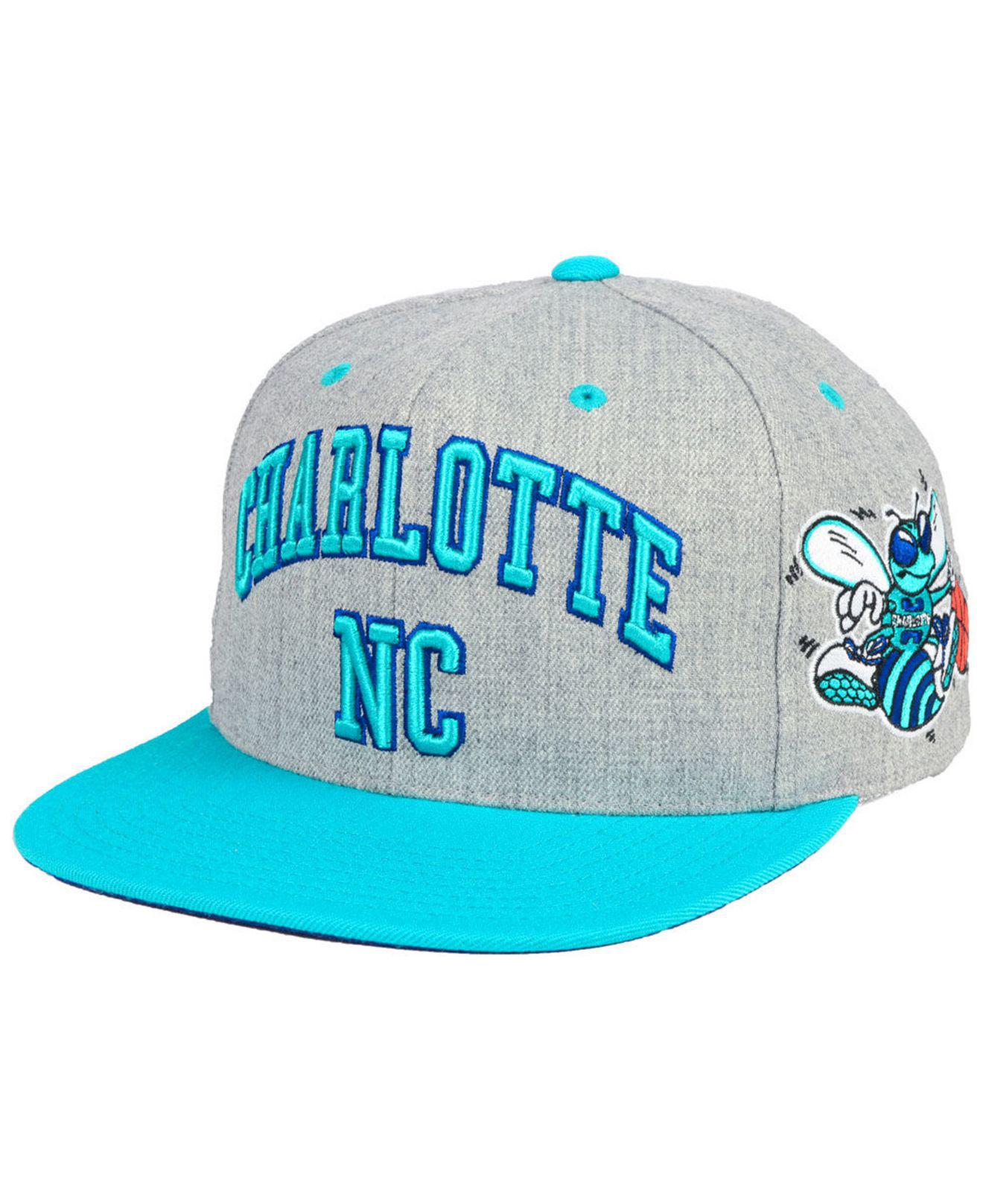 quality design 64f0d f2f61 Lyst - Mitchell   Ness Charlotte Hornets Side Panel Cropped Snapback ...